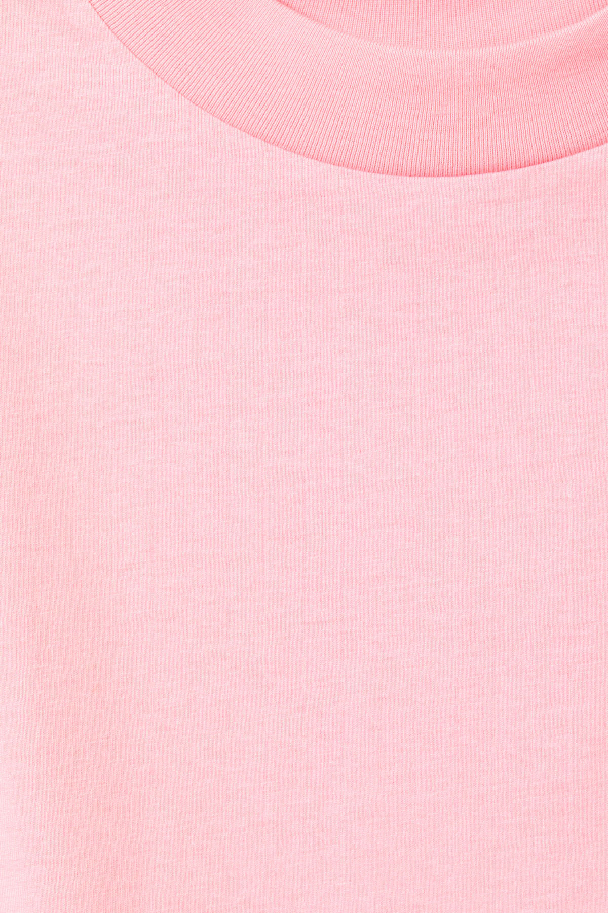Detailed image of Weekday prime t-shirt in pink