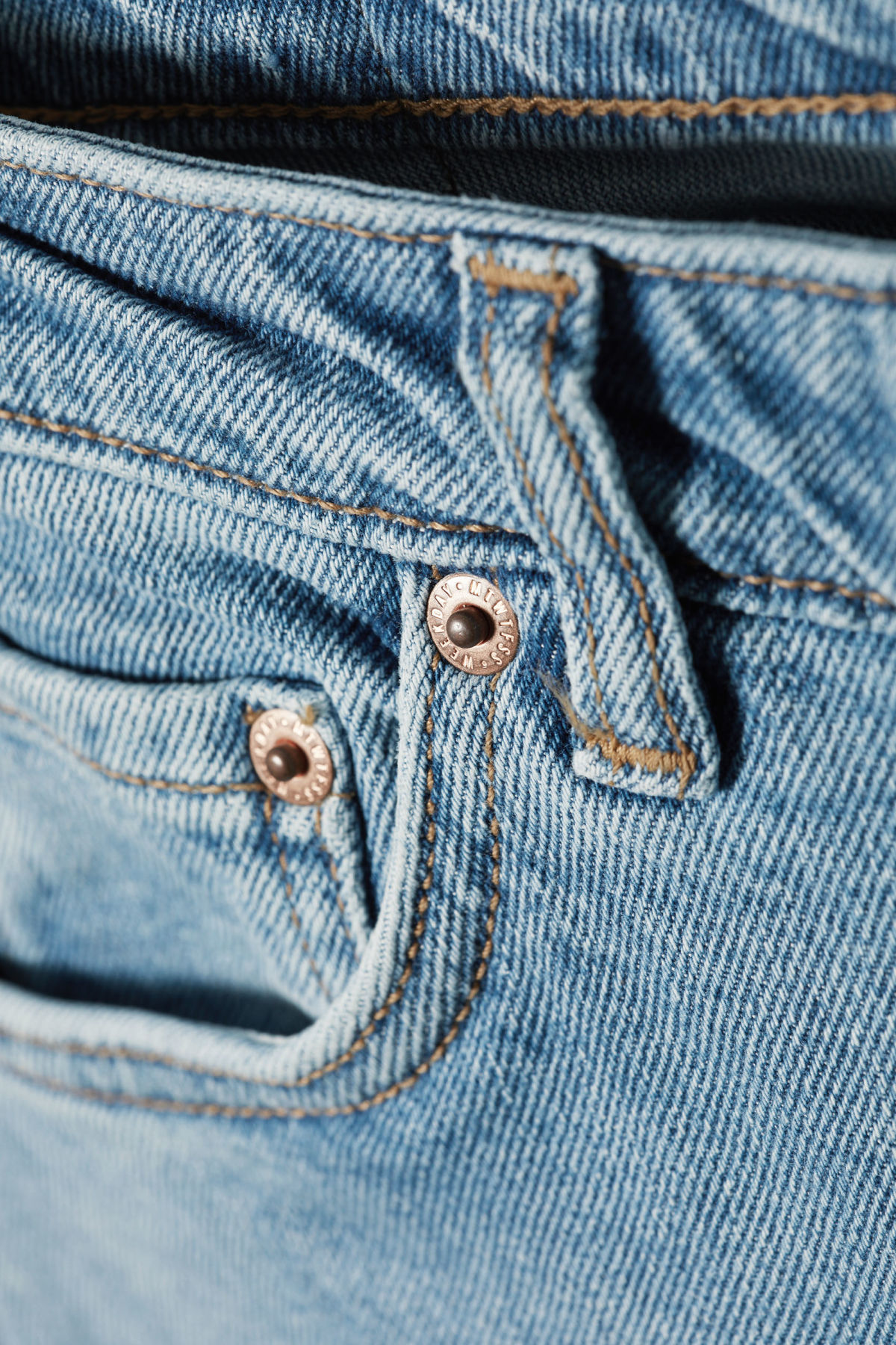 Detailed image of Weekday way swish blue jeans in blue