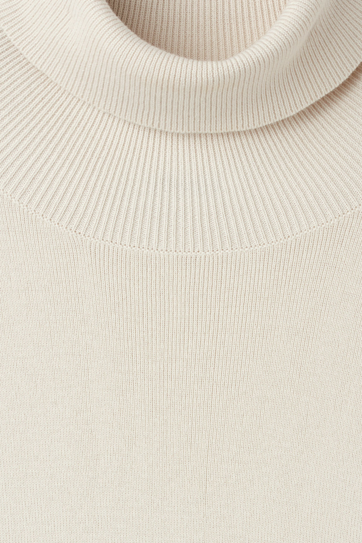 Detailed image of Weekday trey turtleneck sweater in brown