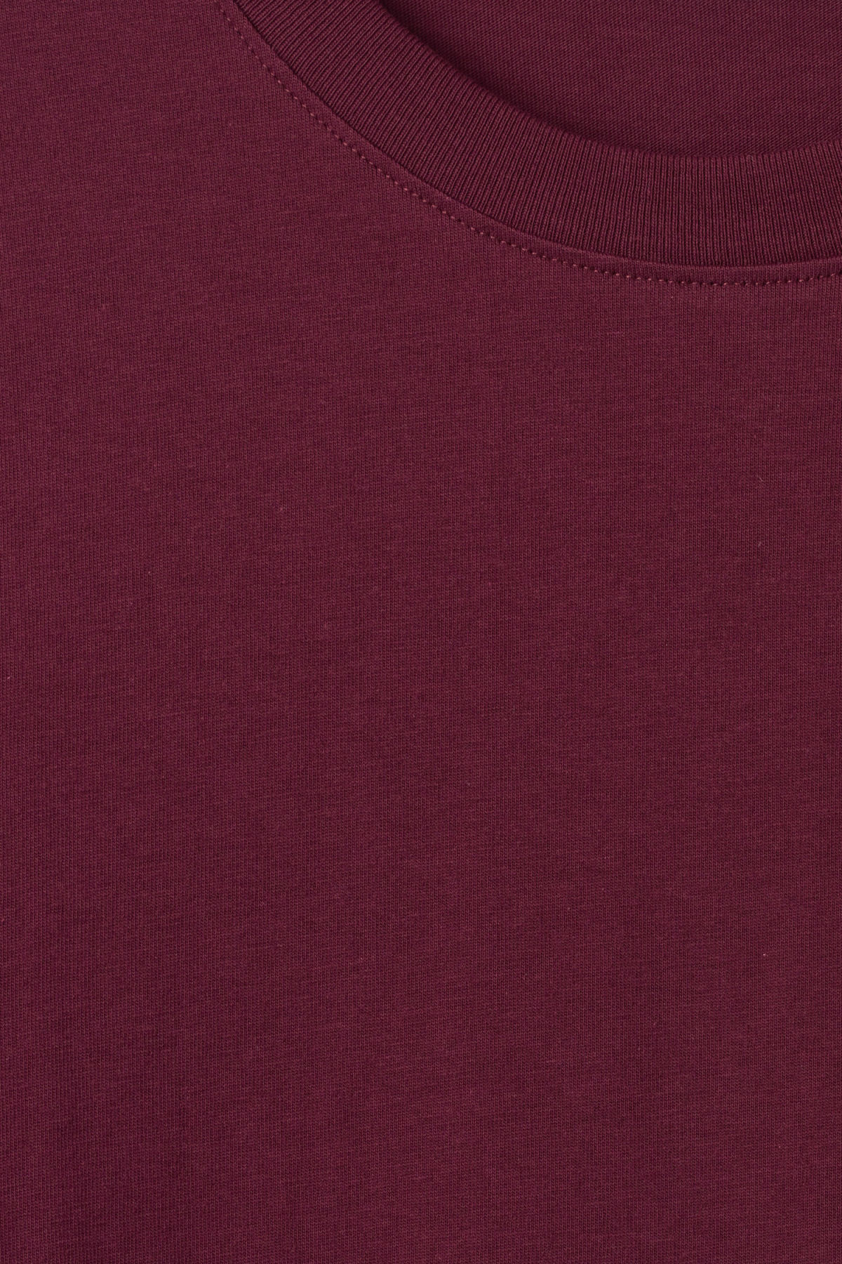 Detailed image of Weekday frank t-shirt in red