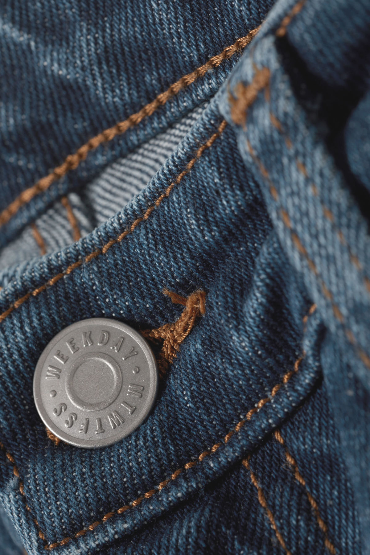 Detailed image of Weekday way peralta blue jeans in blue