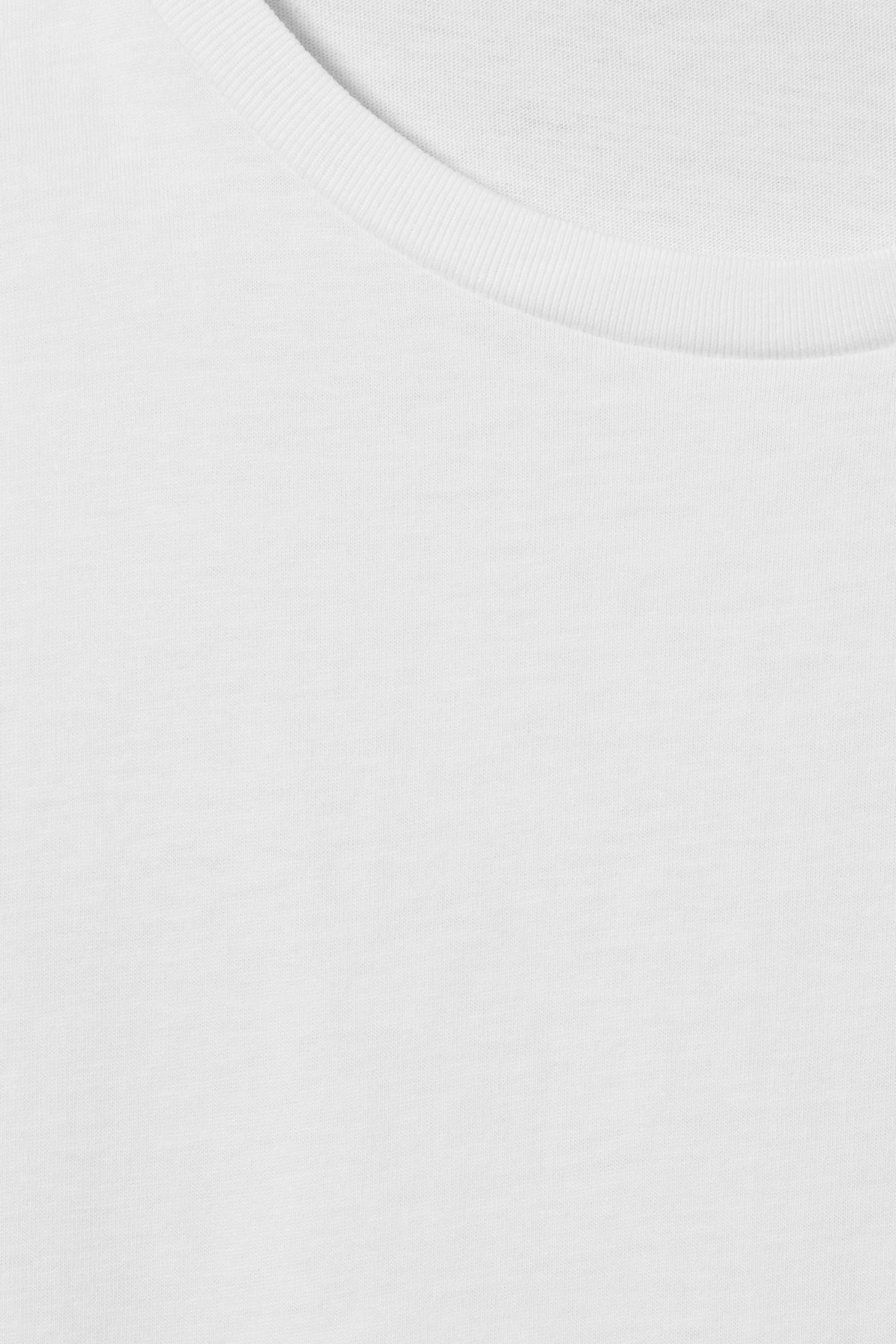 Detailed image of Weekday alex t-shirt in white