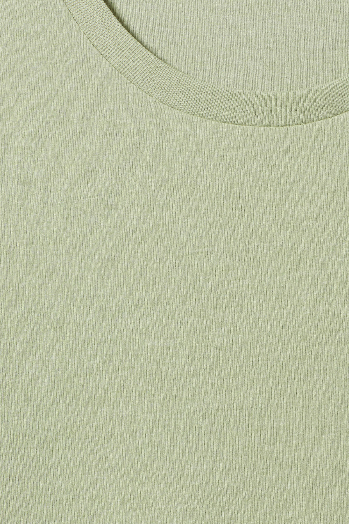Detailed image of Weekday alex t-shirt in green