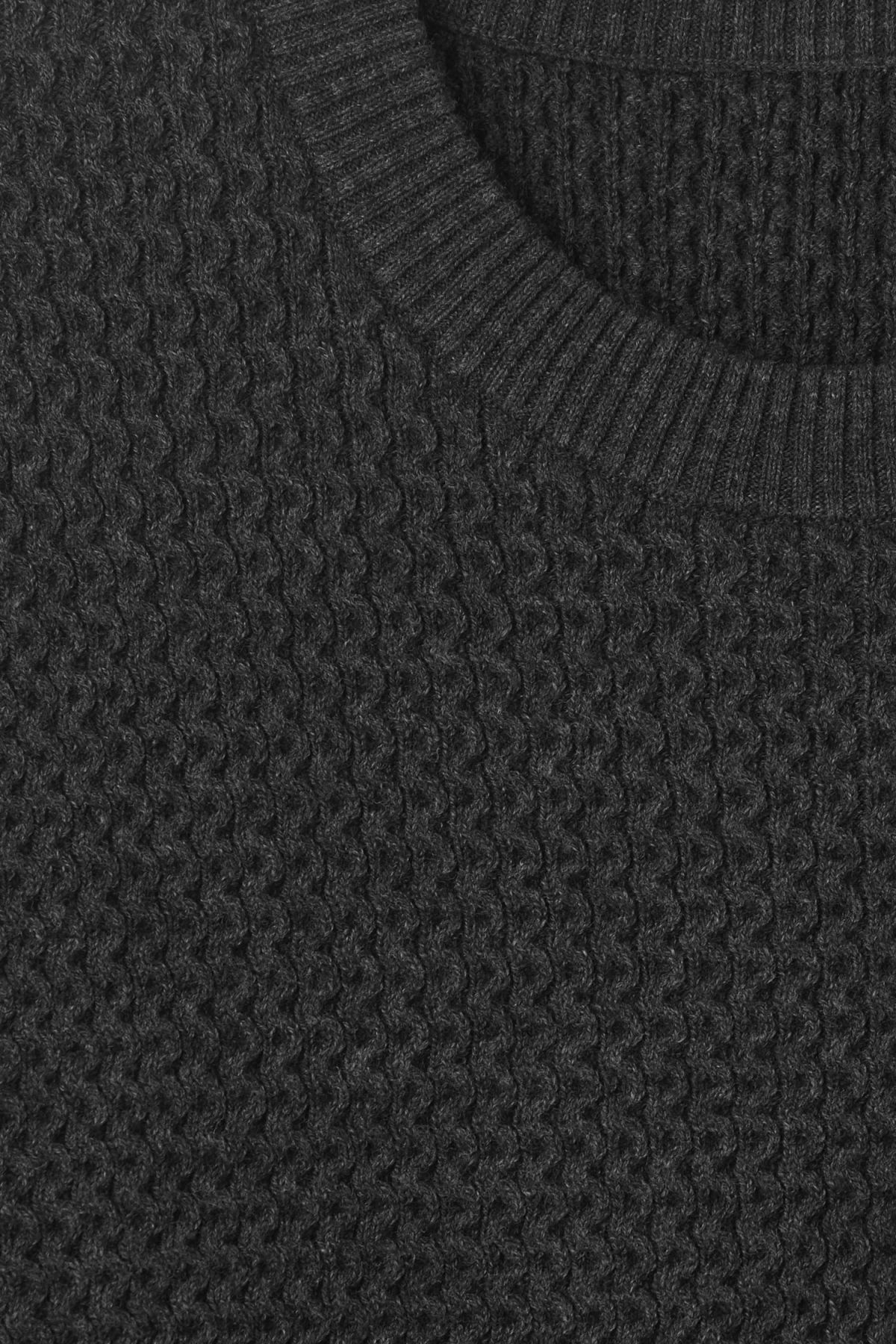Detailed image of Weekday john knit sweater in grey