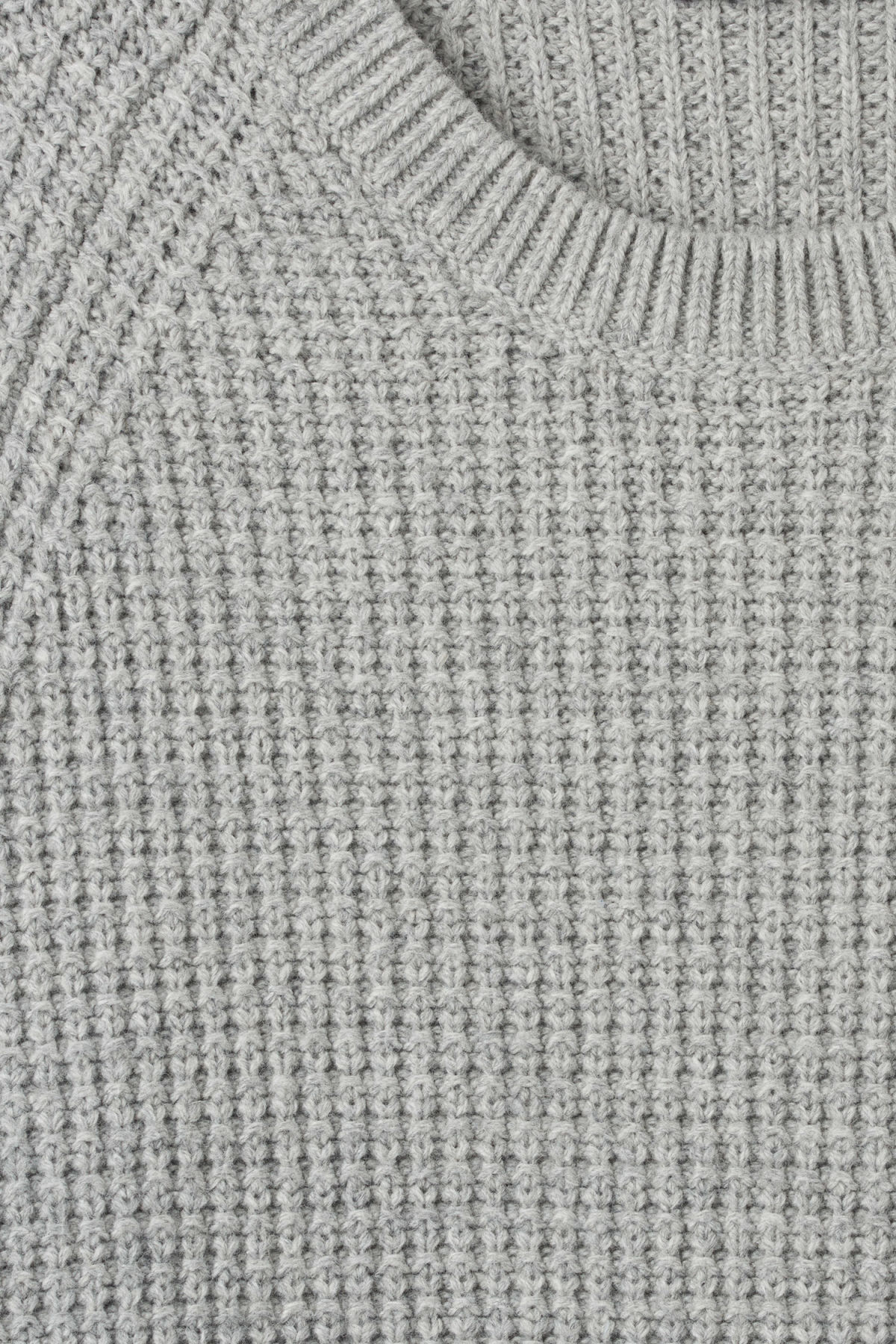 Detailed image of Weekday parker waffle sweater in grey