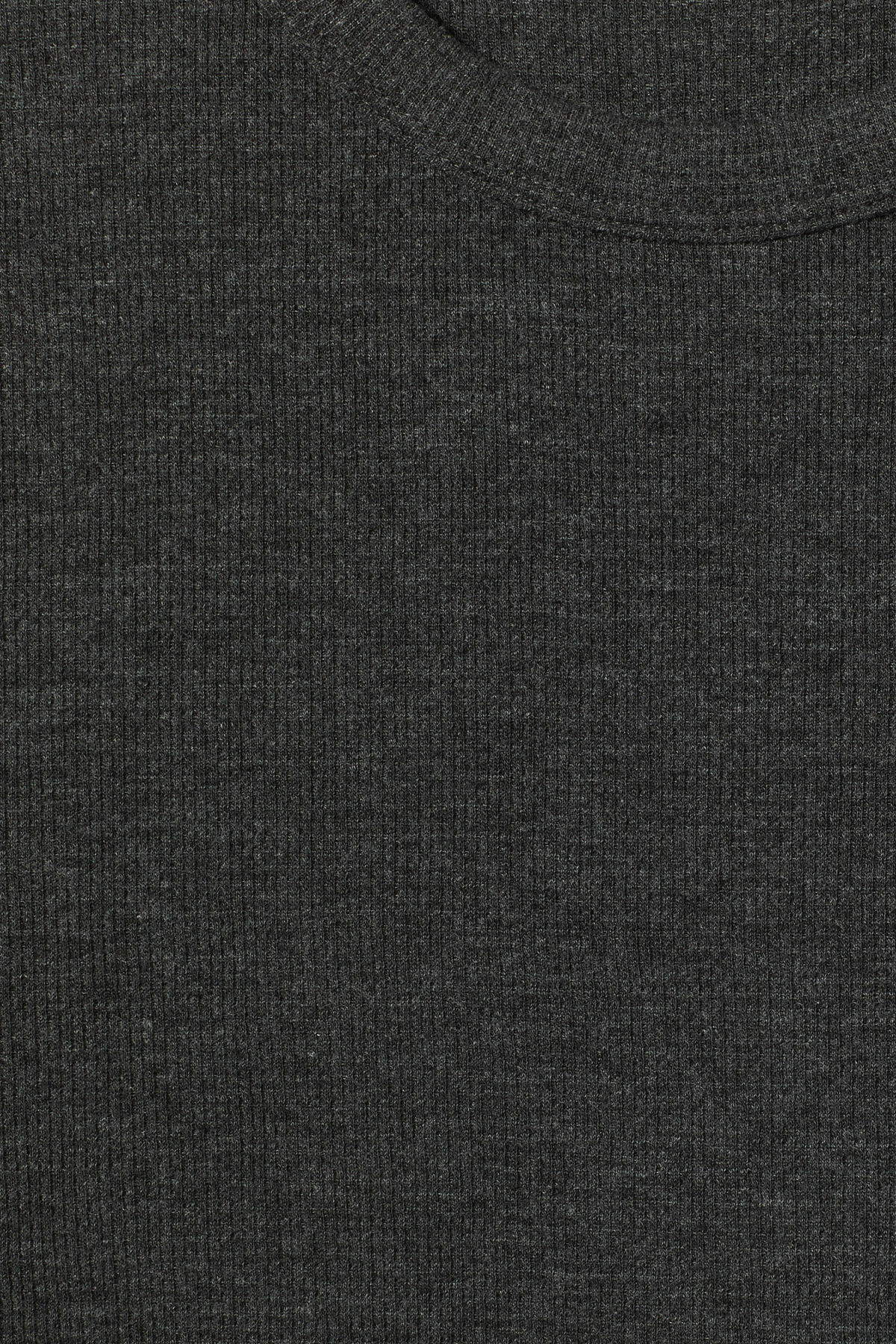 Detailed image of Weekday grinko t-shirt in black