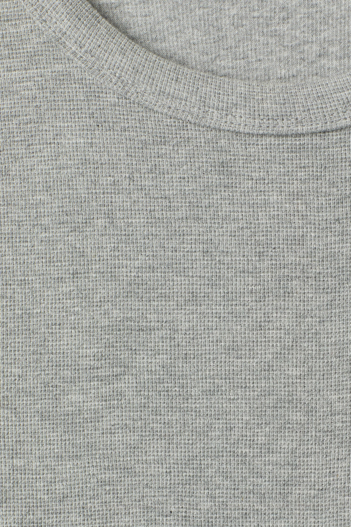 Detailed image of Weekday grinko t-shirt in grey