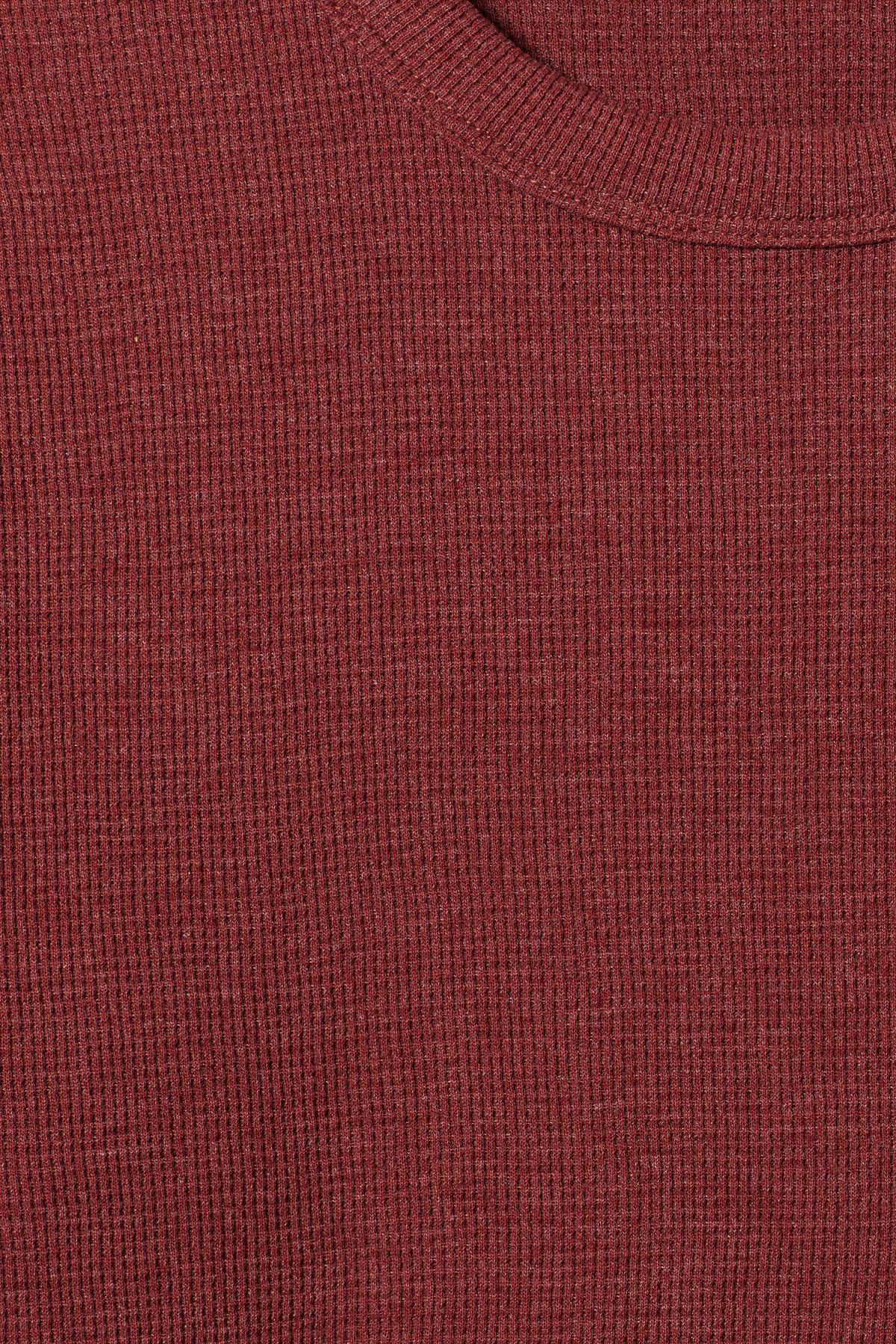Detailed image of Weekday grinko t-shirt in red