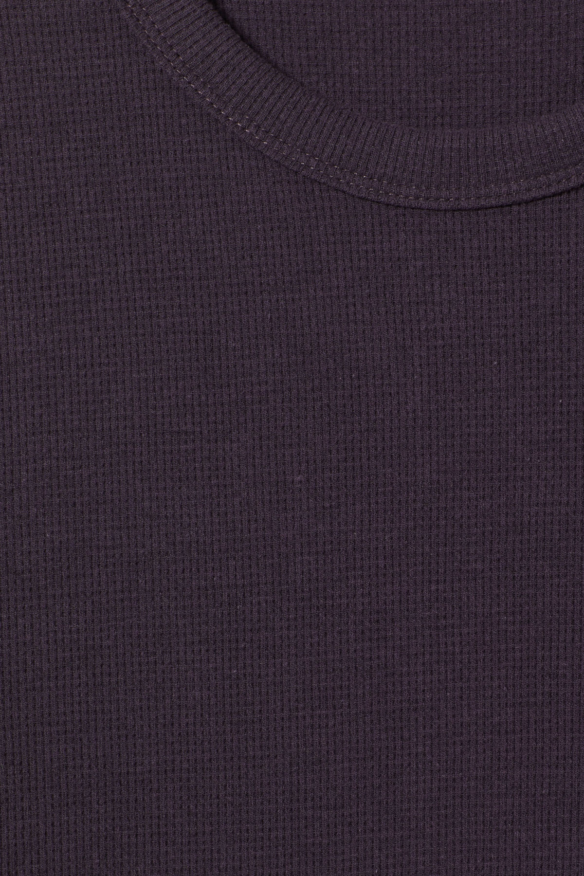 Detailed image of Weekday grinko t-shirt in purple
