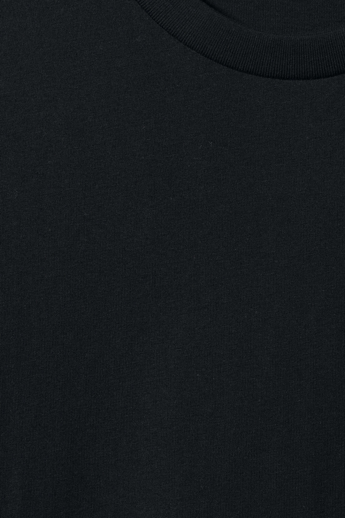 Detailed image of Weekday alan t-shirt in black