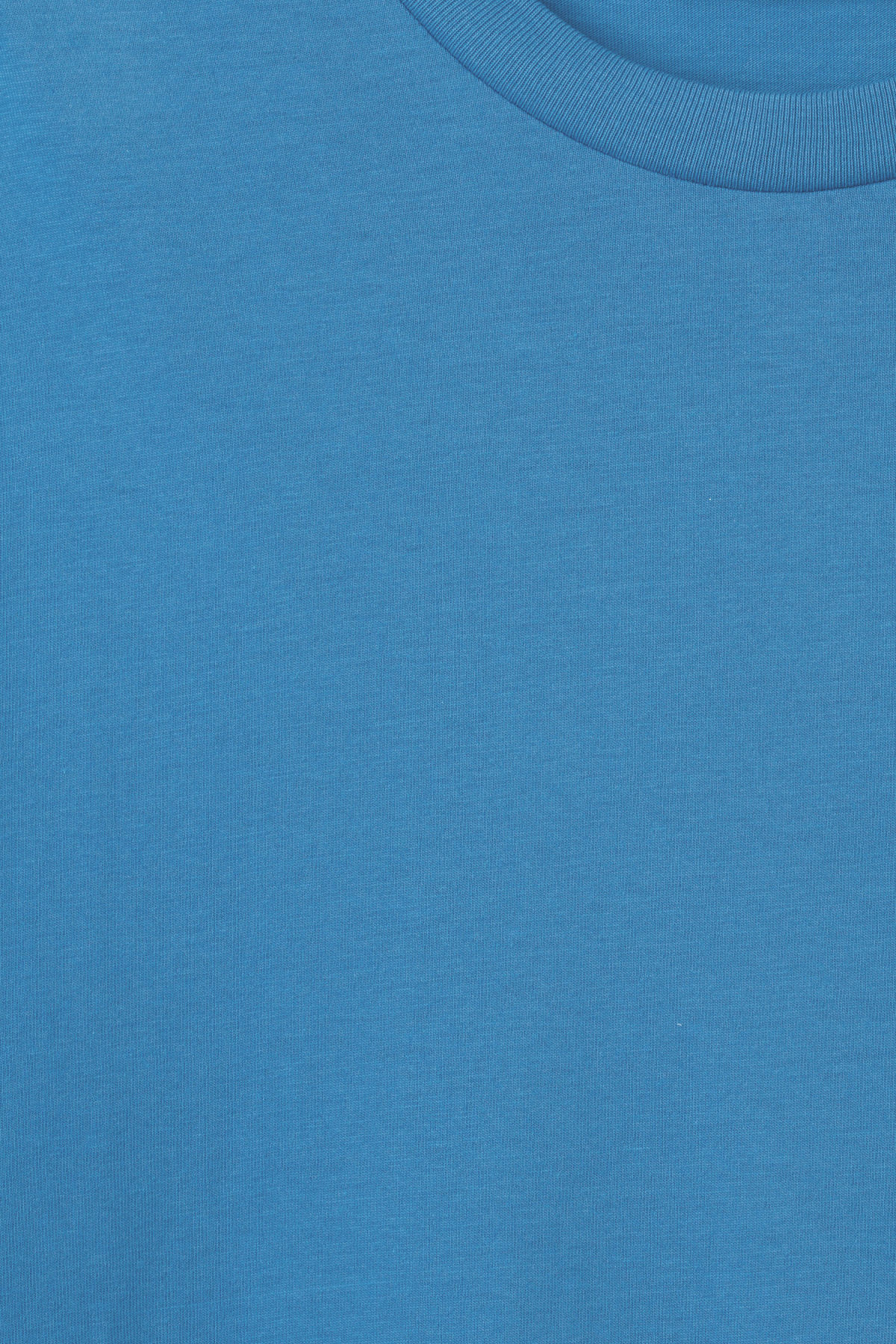 Detailed image of Weekday alan t-shirt in blue