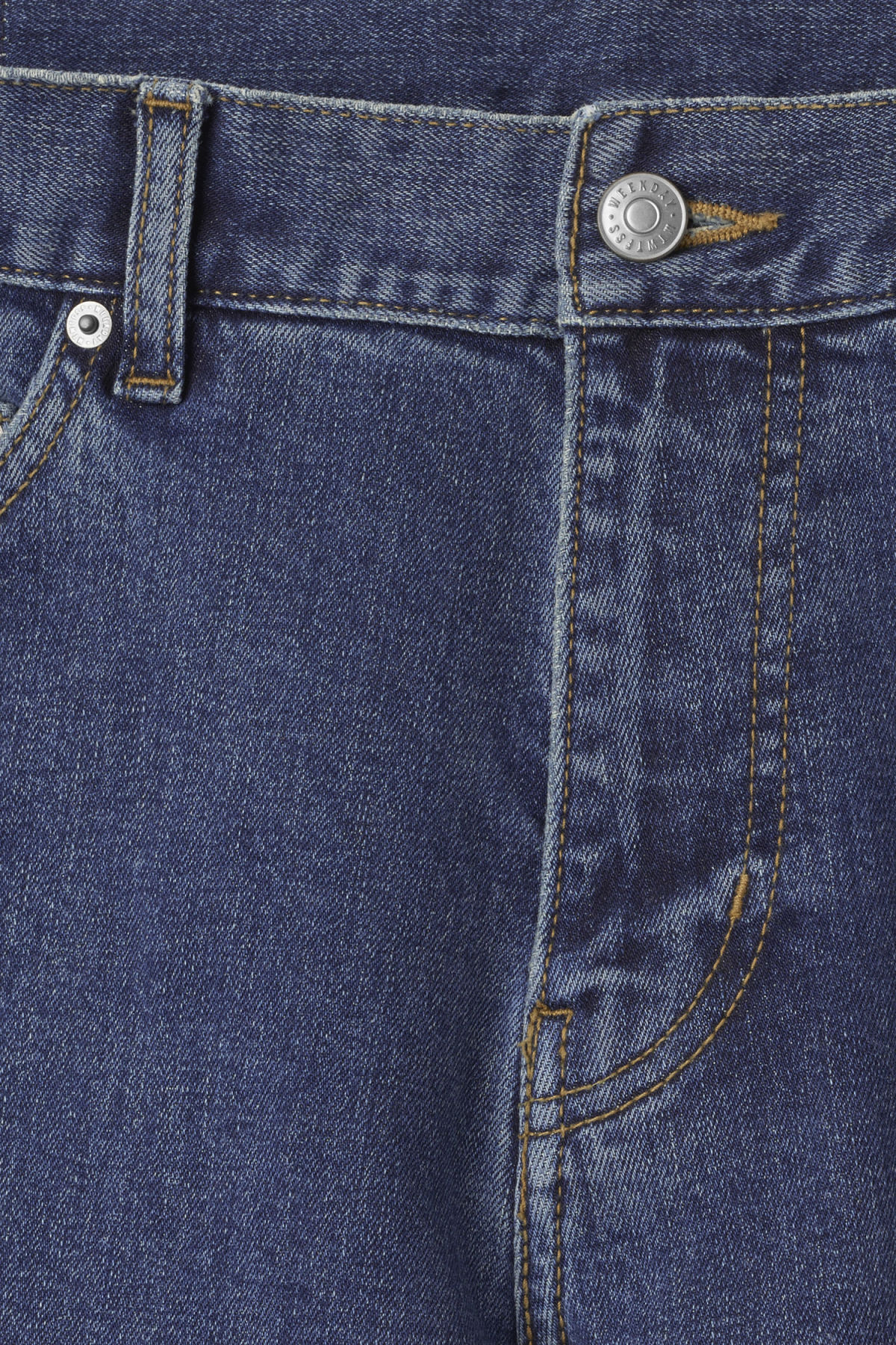 Detailed image of Weekday friday mid standard jeans in blue