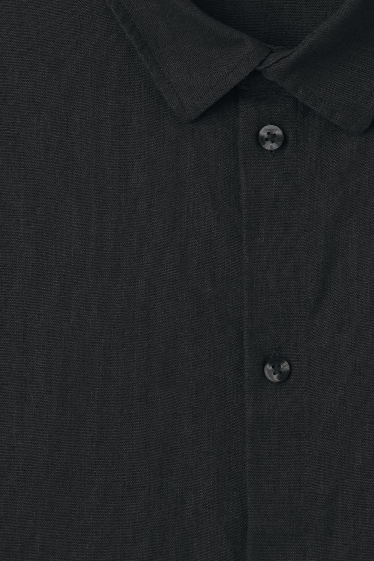 Detailed image of Weekday lead linen shirt in black