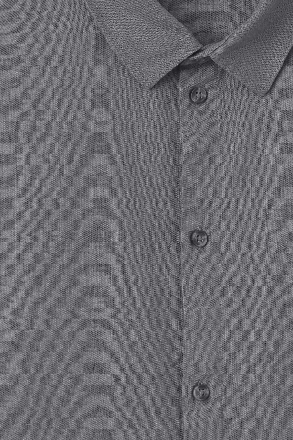 Detailed image of Weekday lead linen shirt in grey