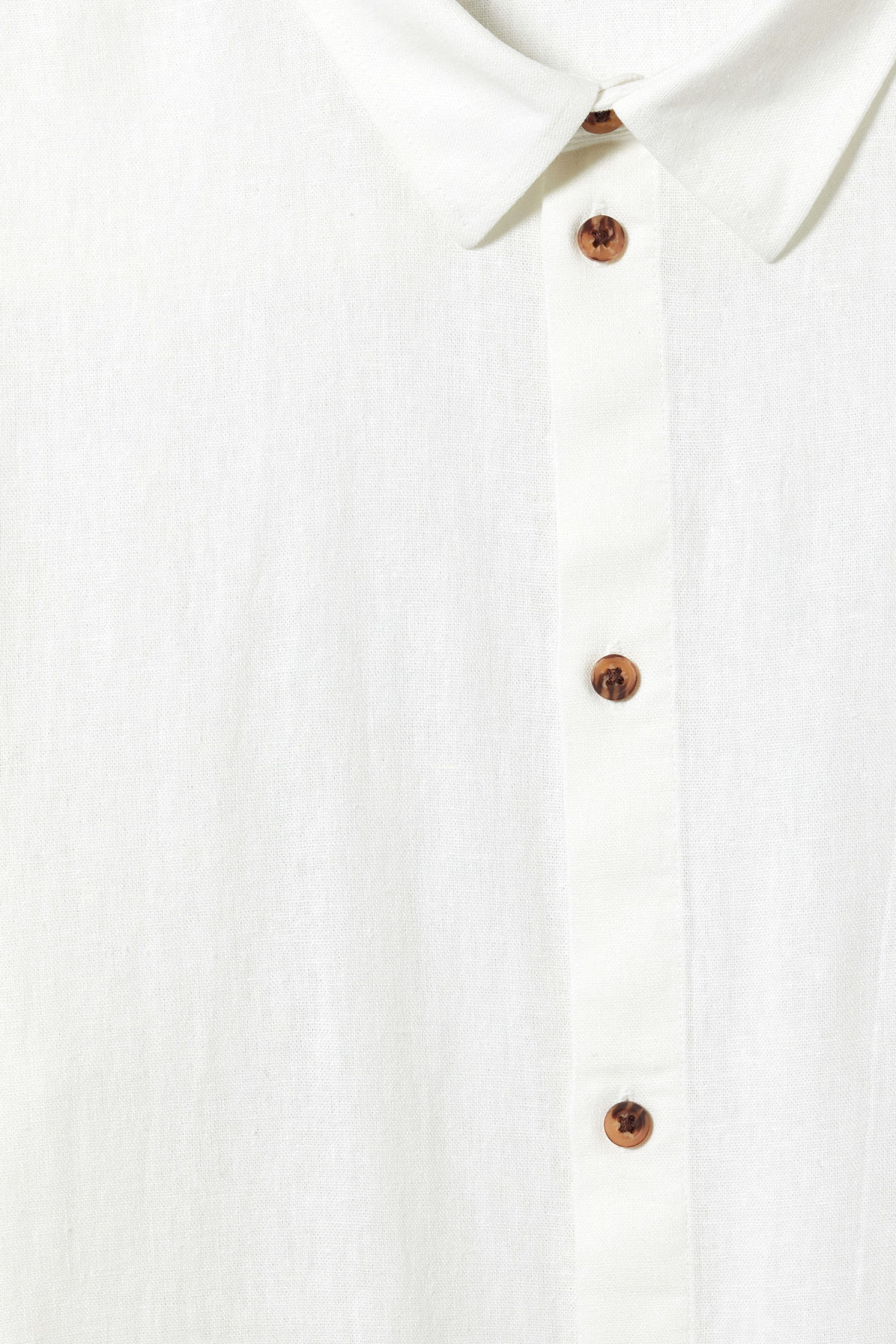 Detailed image of Weekday lead linen shirt in white