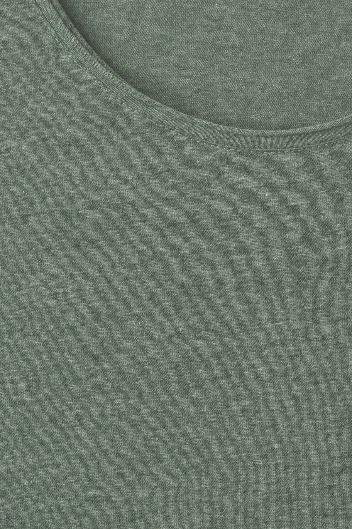 Detailed image of Weekday dark t-shirt in turquoise