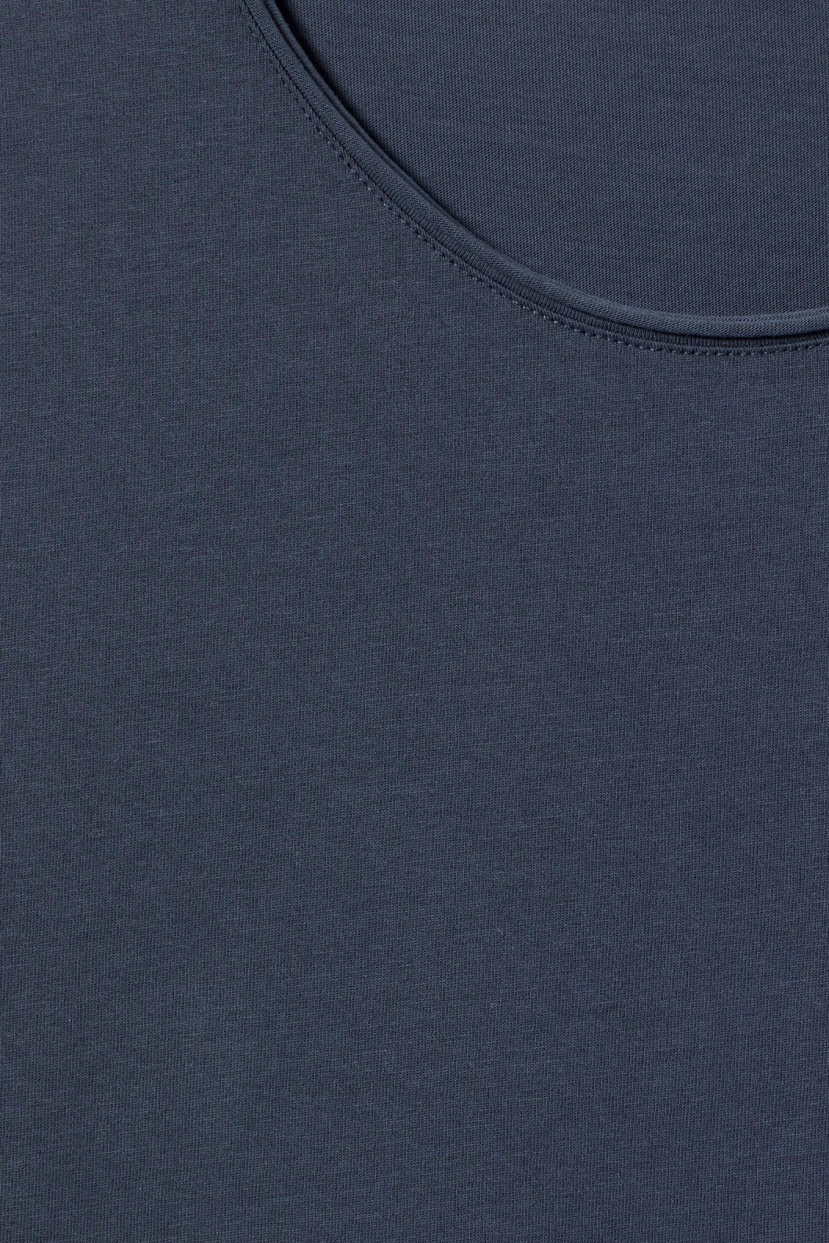 Detailed image of Weekday dark t-shirt in blue
