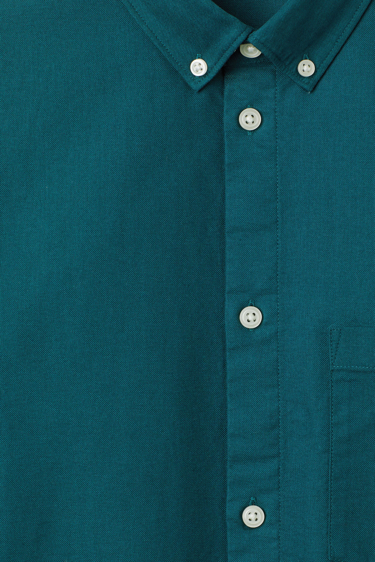 Detailed image of Weekday bad times shirt in turquoise