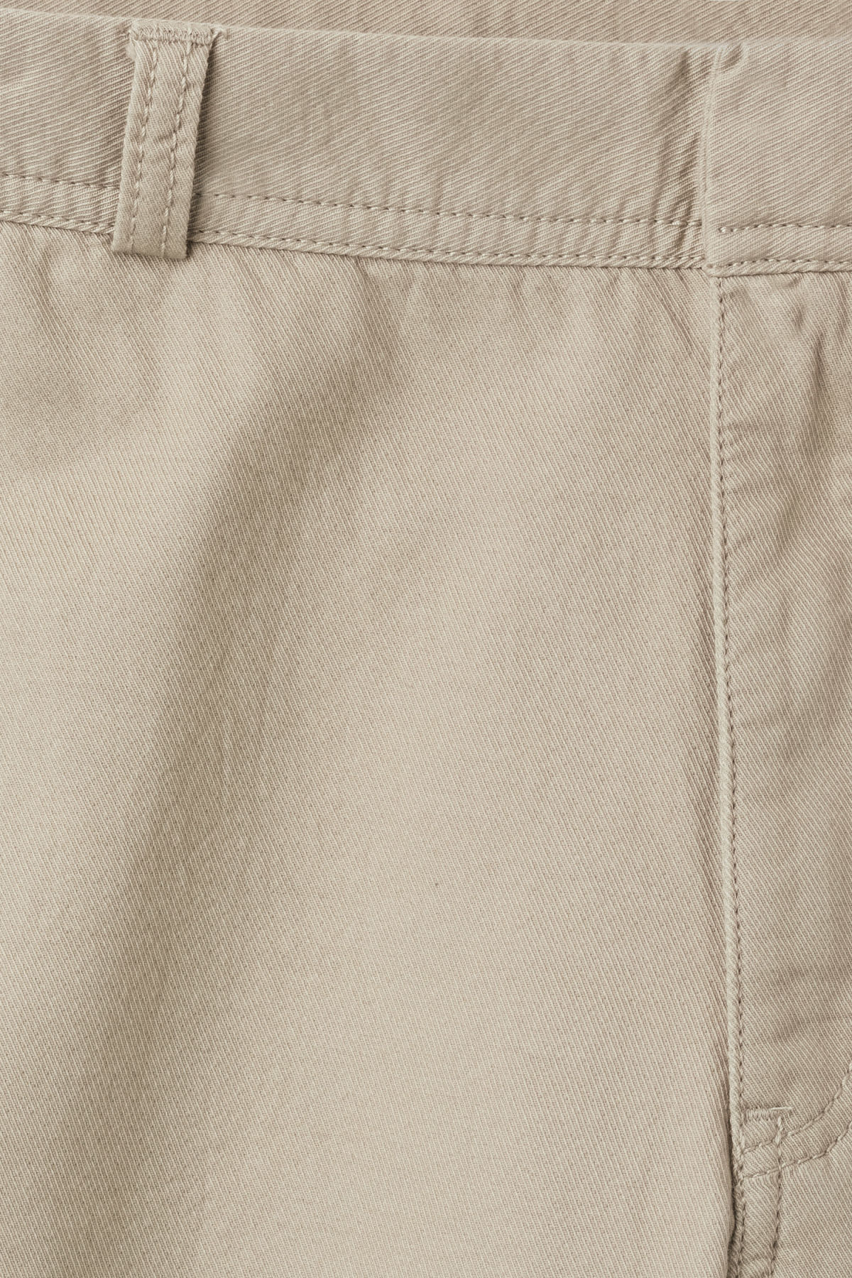 Detailed image of Weekday venice shorts in green