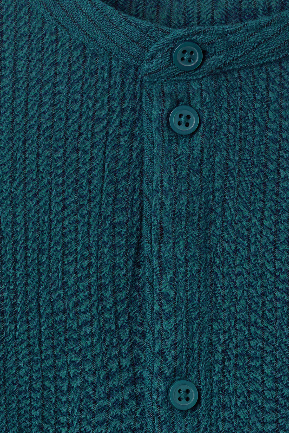 Detailed image of Weekday champ shirt in blue