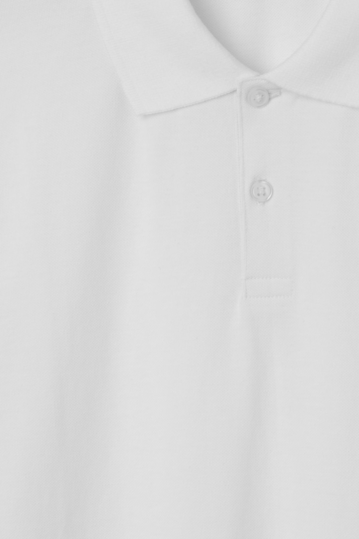 Detailed image of Weekday jam polo shirt in white