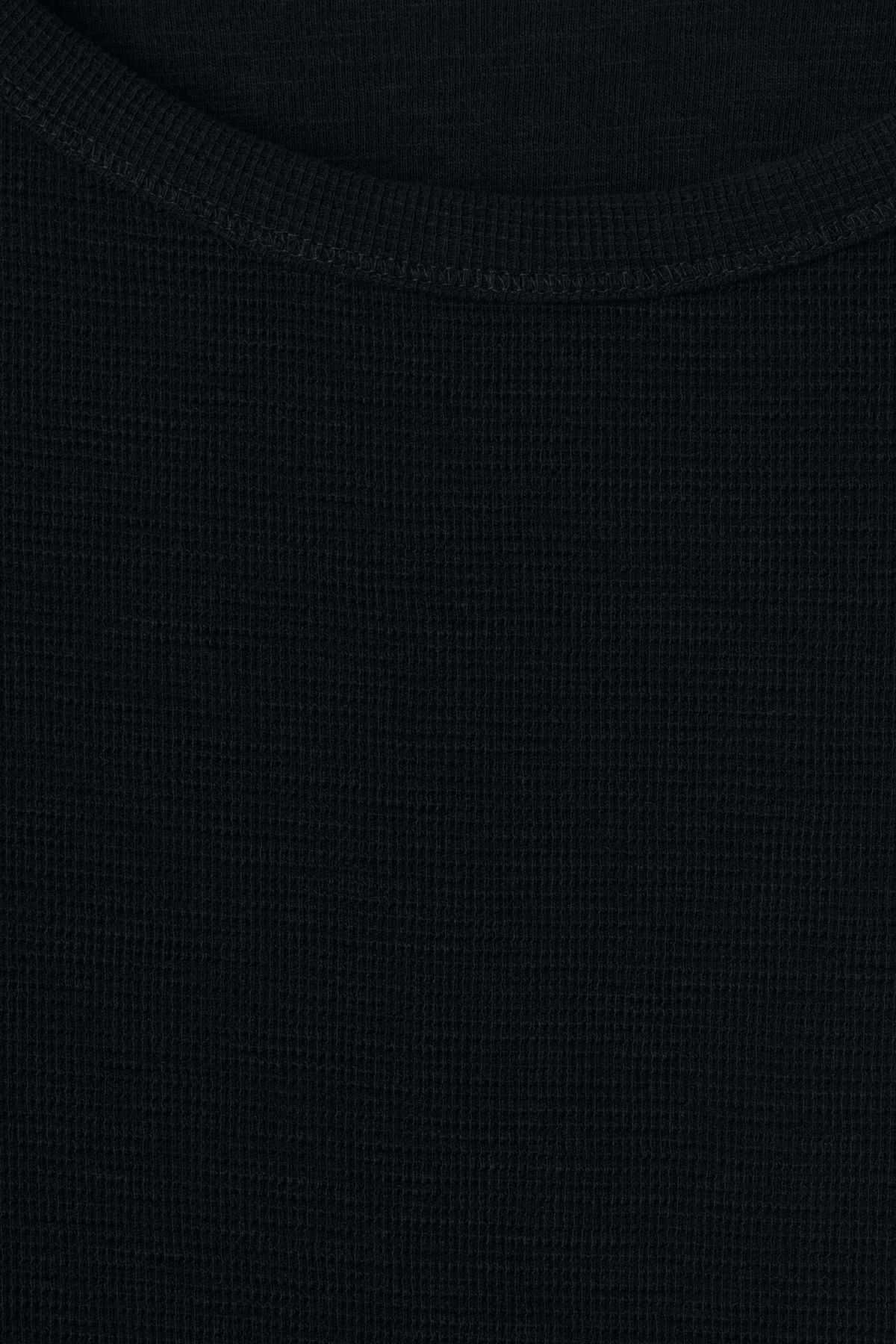Detailed image of Weekday zic long sleeve in black