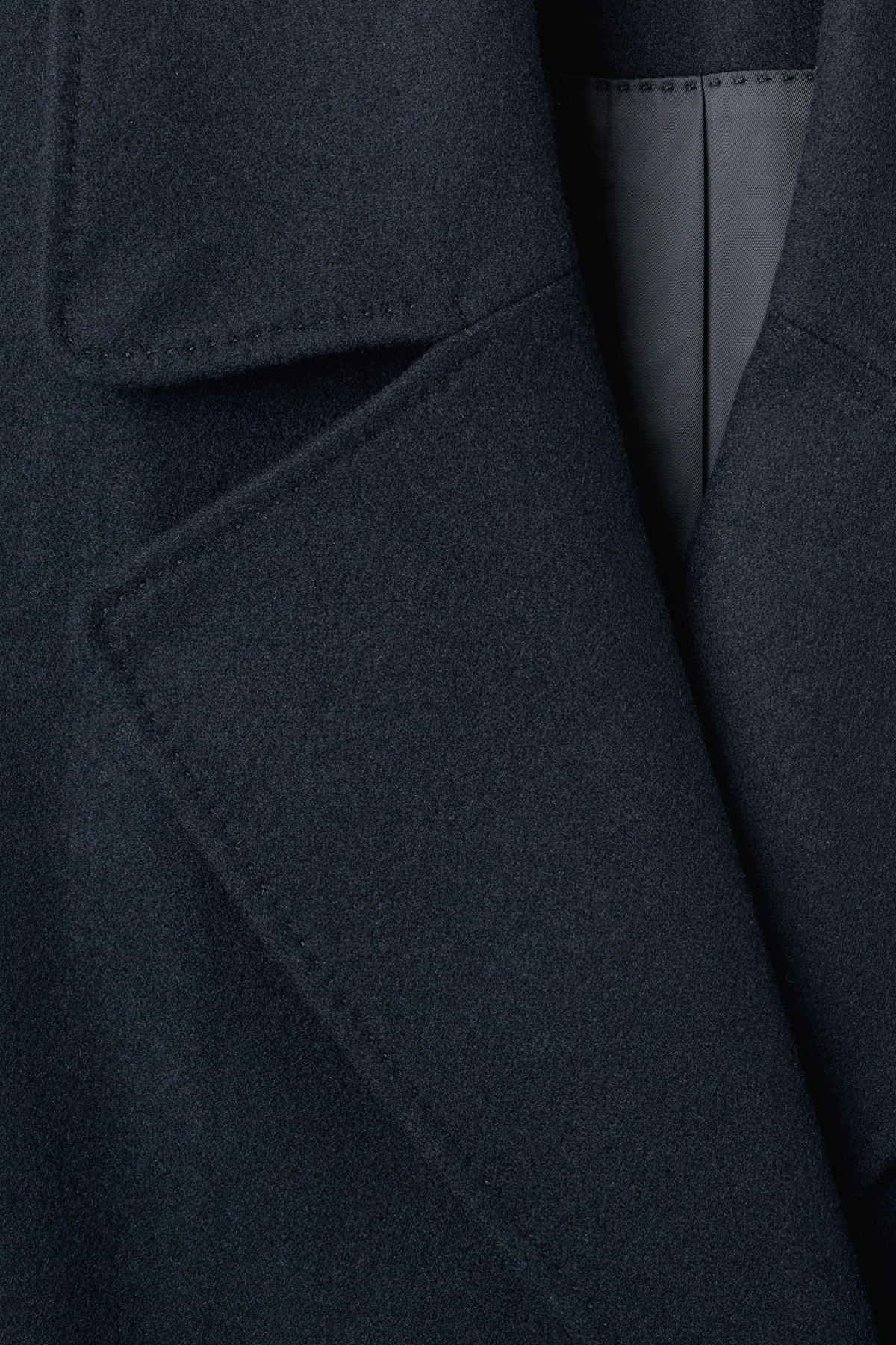 Detailed image of Weekday cilla coat in blue
