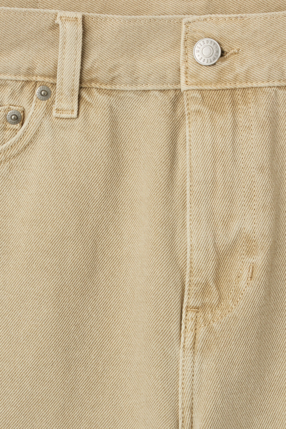 Detailed image of Weekday vacant shorts sand in beige