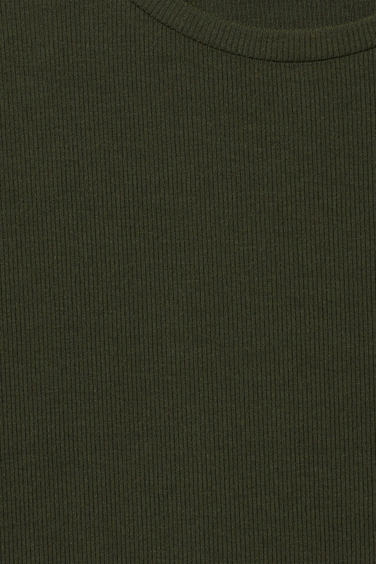 Detailed image of Weekday frances t-shirt in green