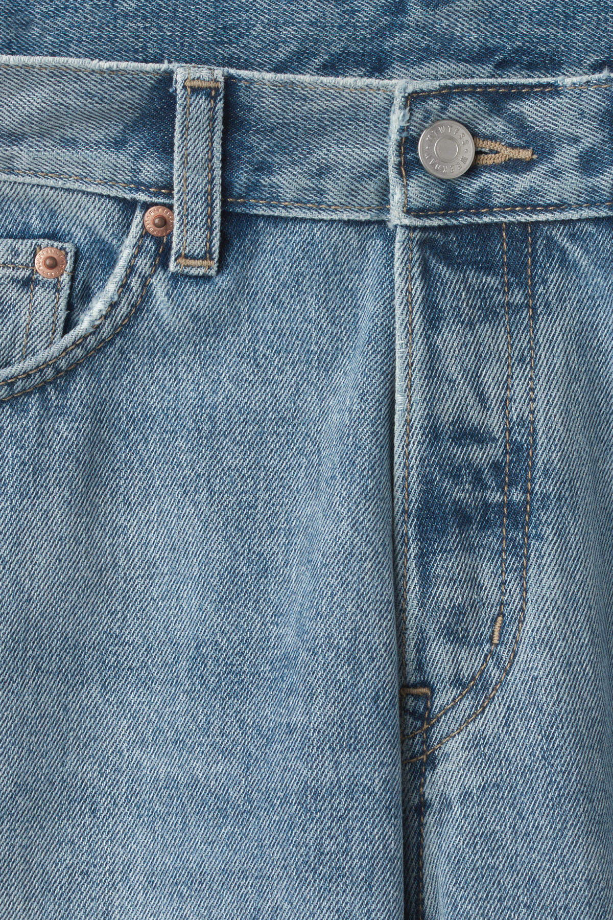 Detailed image of Weekday vacant wow blue jeans in blue