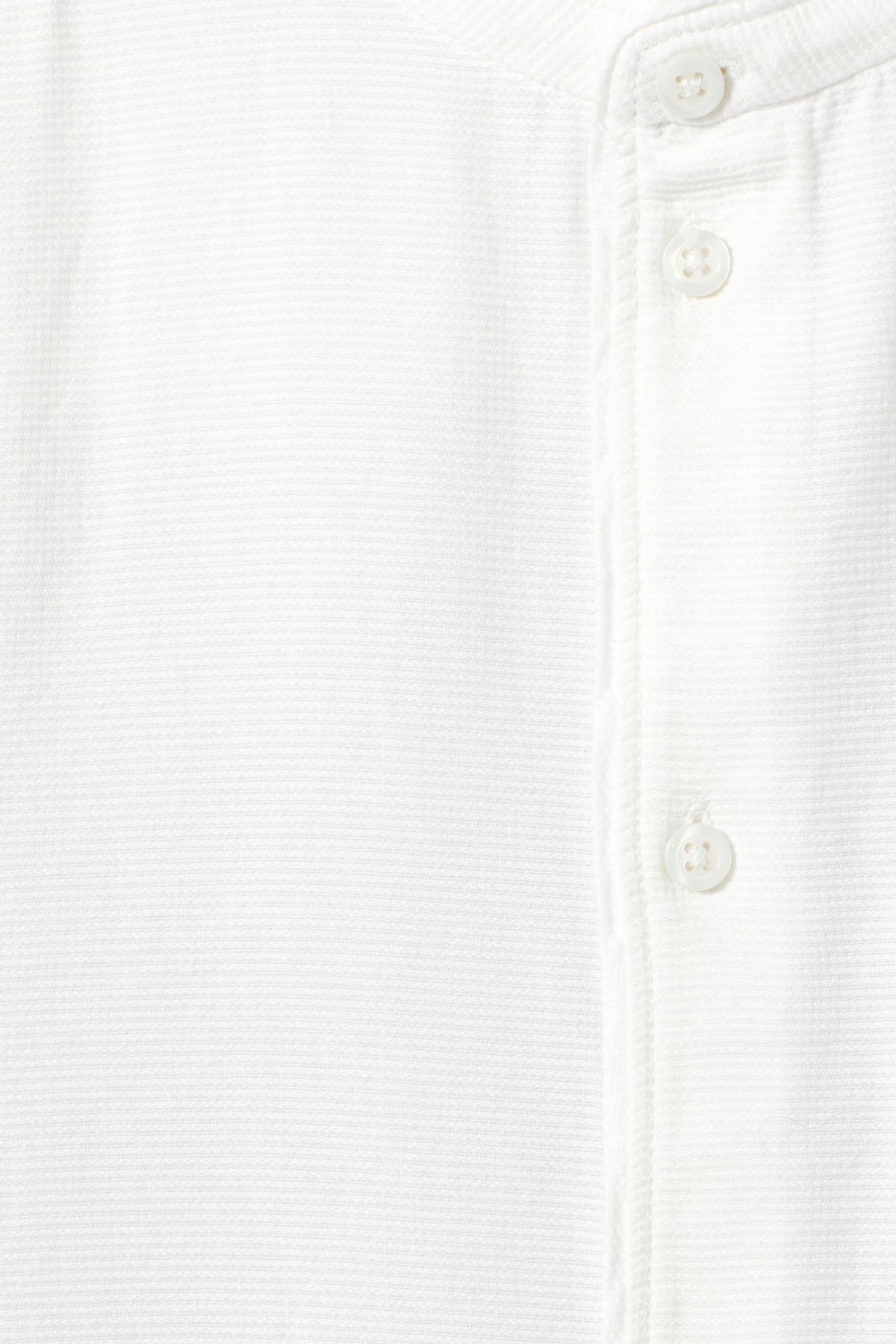 Detailed image of Weekday hunt shirt in white