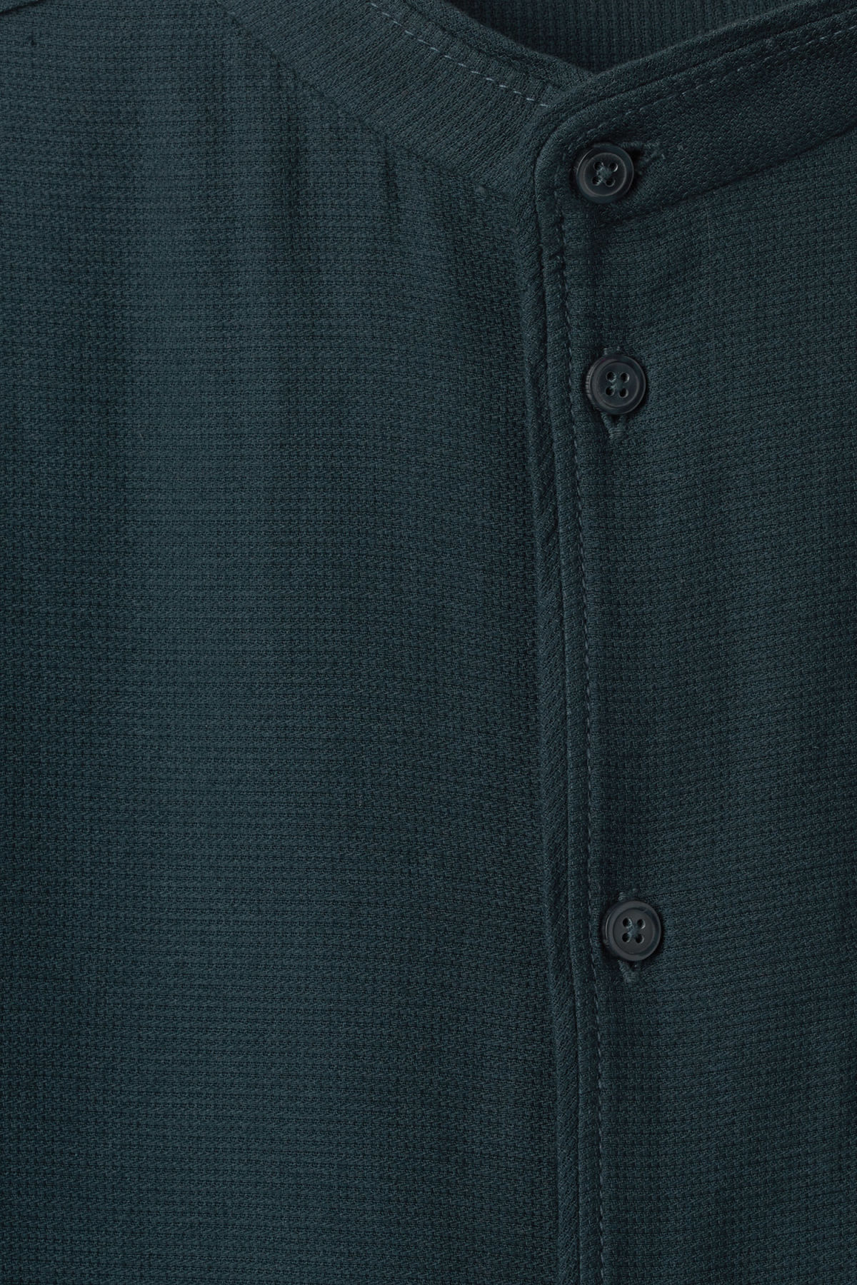 Detailed image of Weekday hunt shirt in turquoise