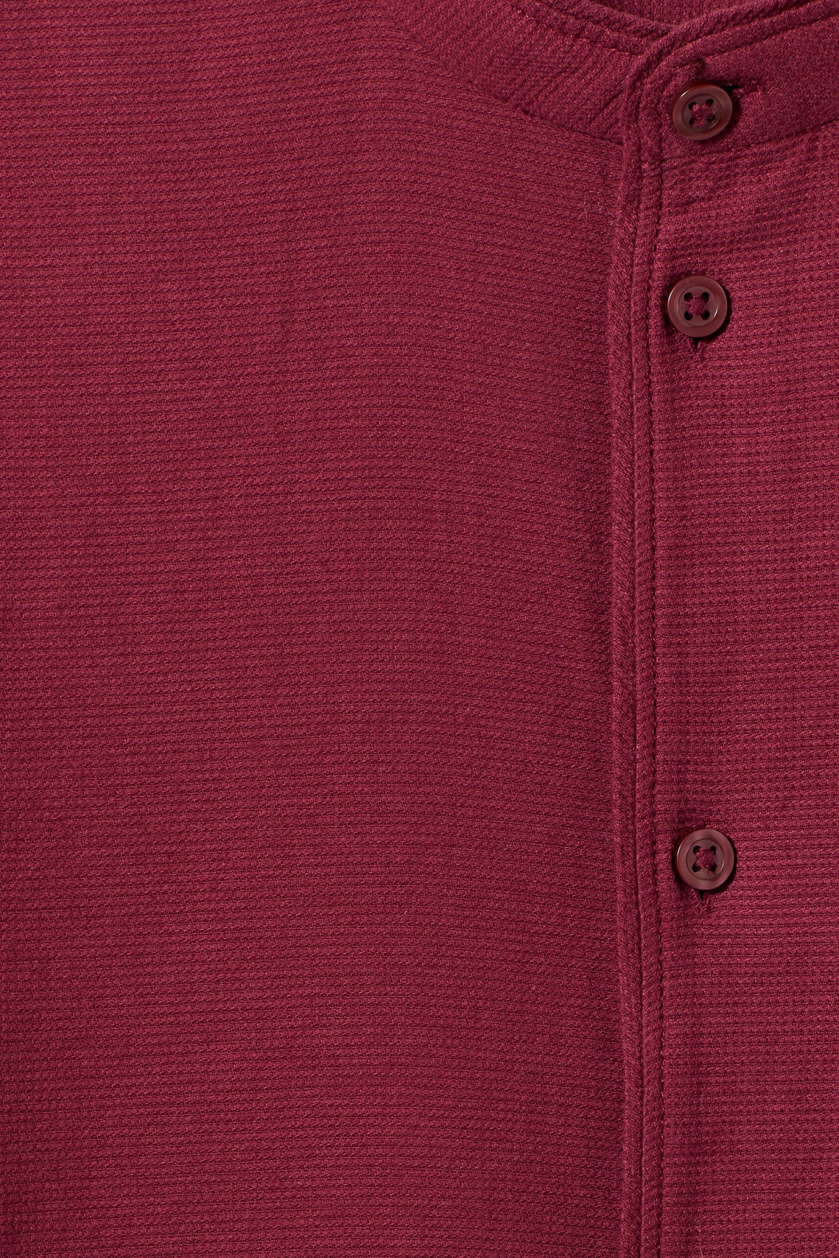 Detailed image of Weekday hunt shirt in red