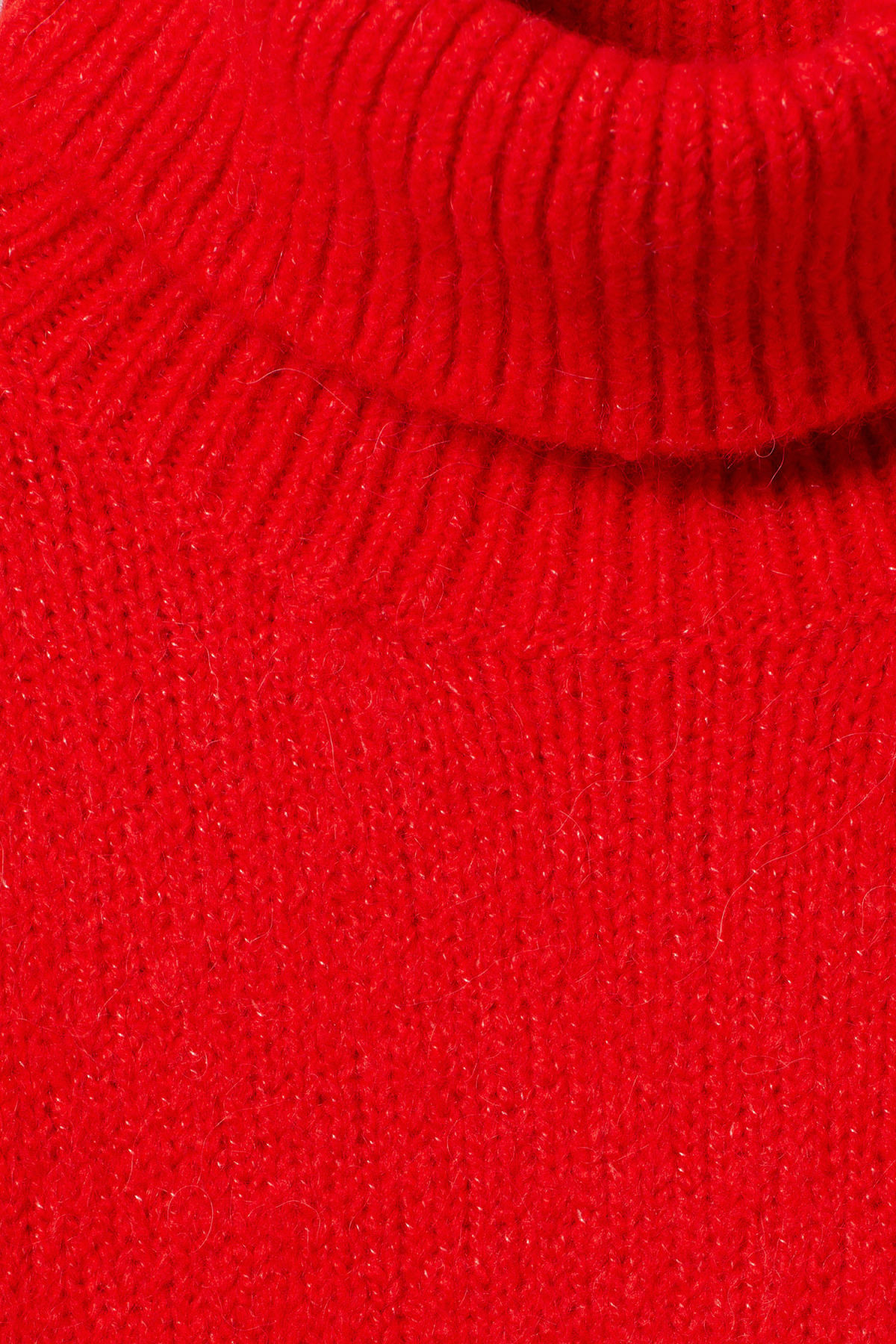 Detailed image of Weekday lotta sweater in red
