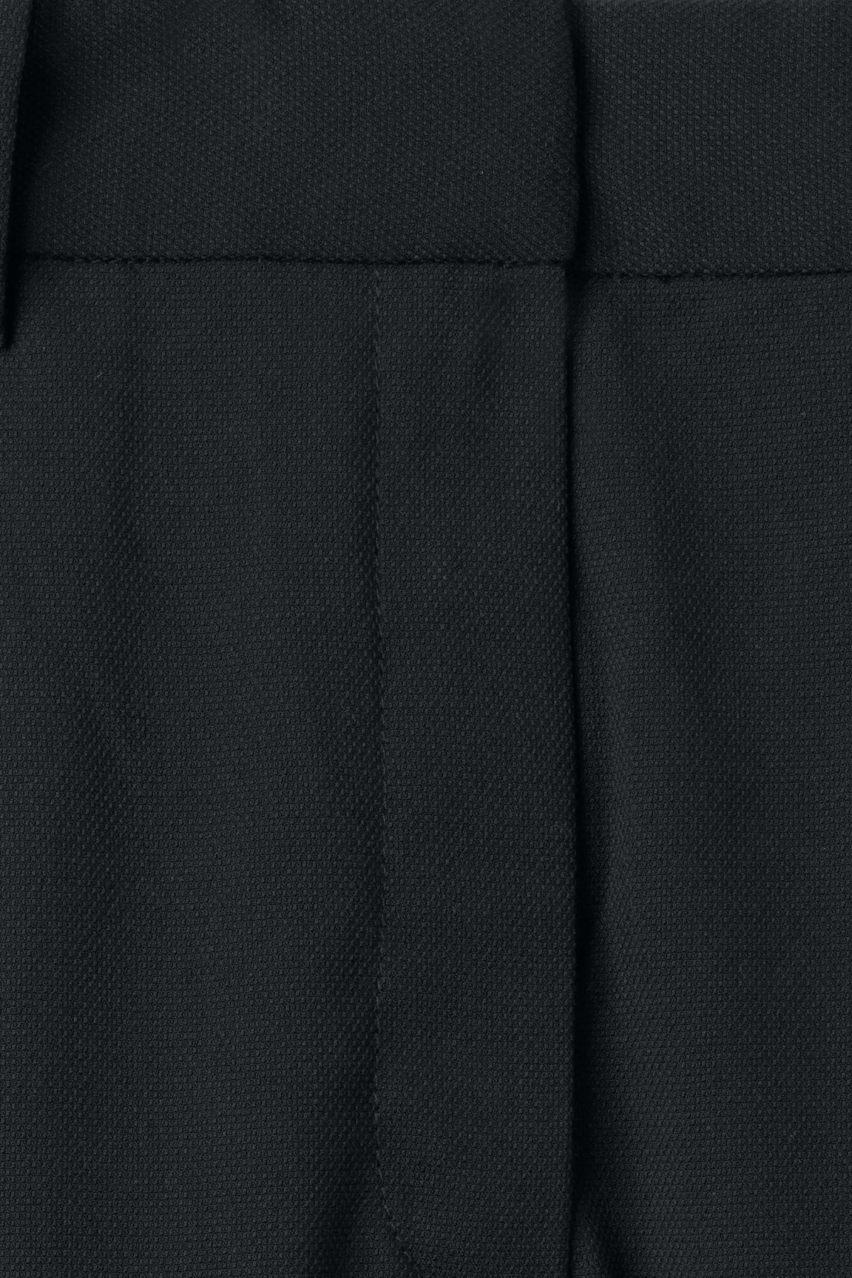 Detailed image of Weekday simone trousers in black