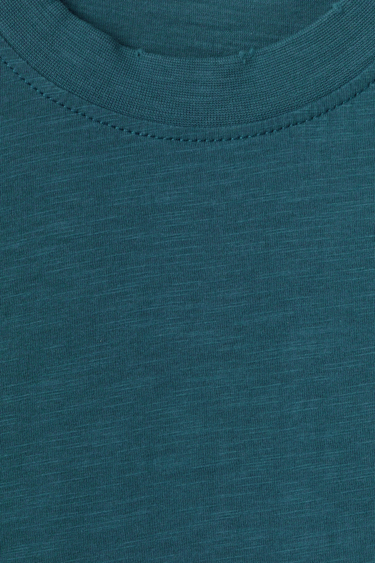 Detailed image of Weekday bob broken t-shirt in blue