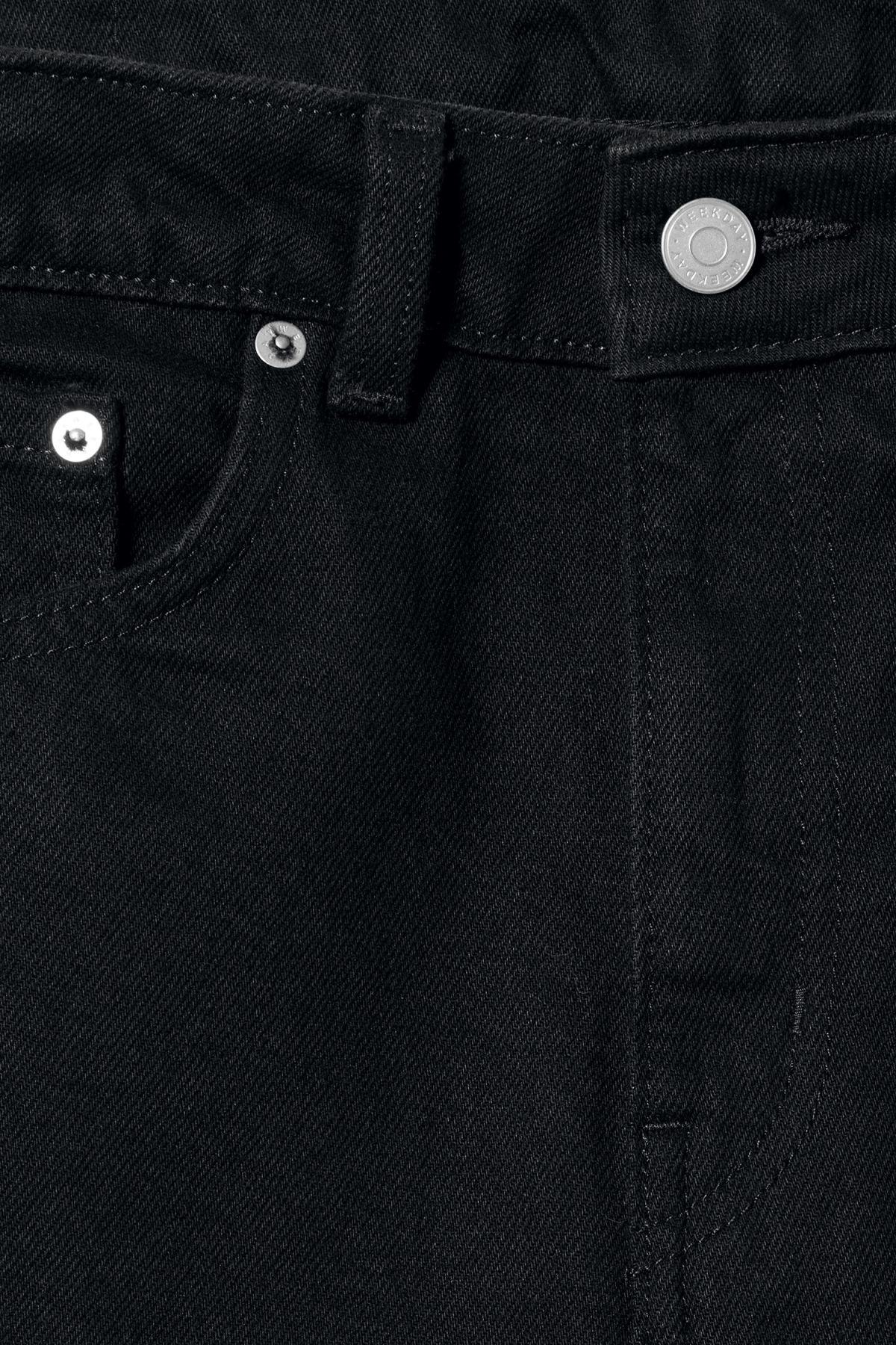 Detailed image of Weekday voyage black jeans in black