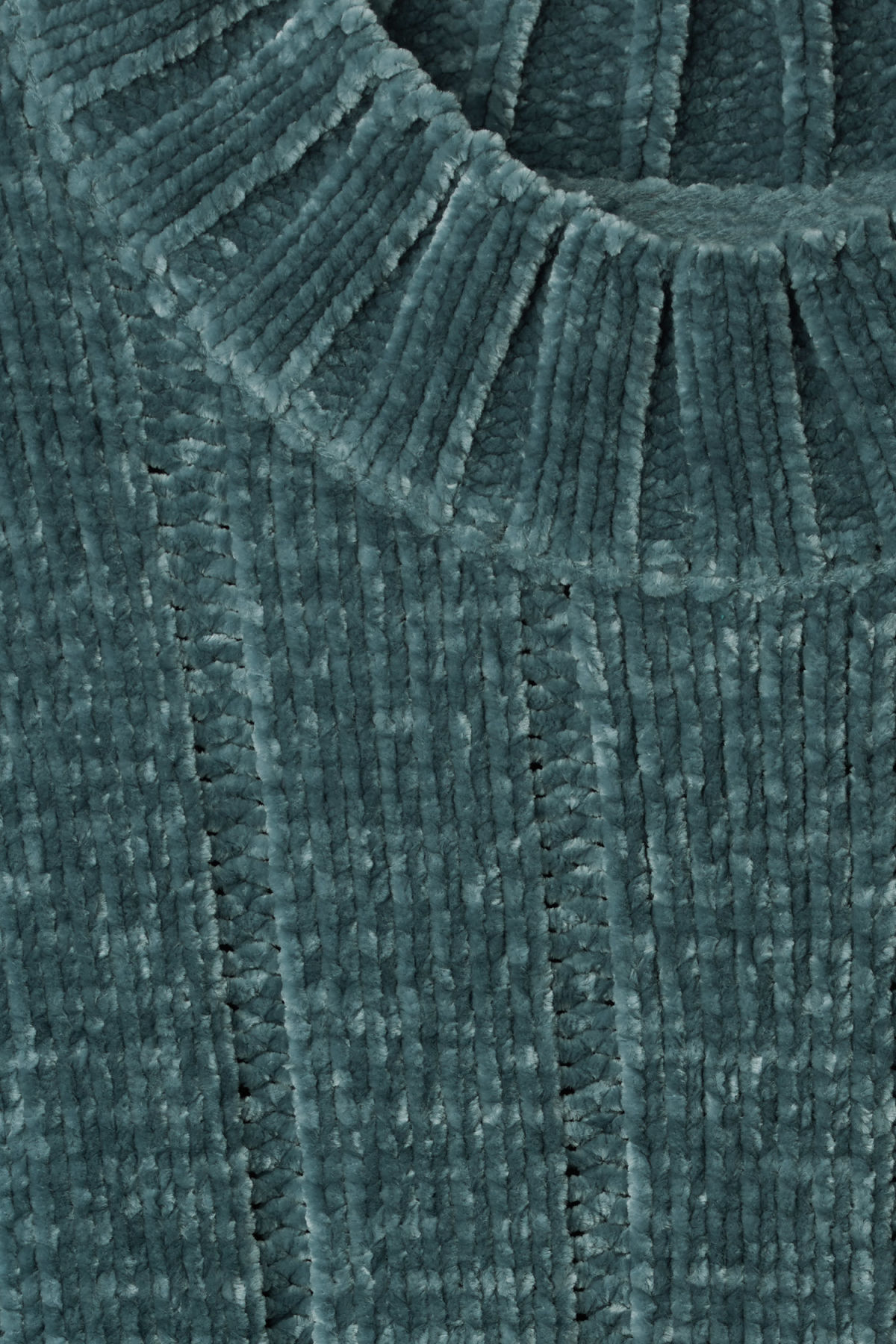 Detailed image of Weekday missy knit sweater in blue