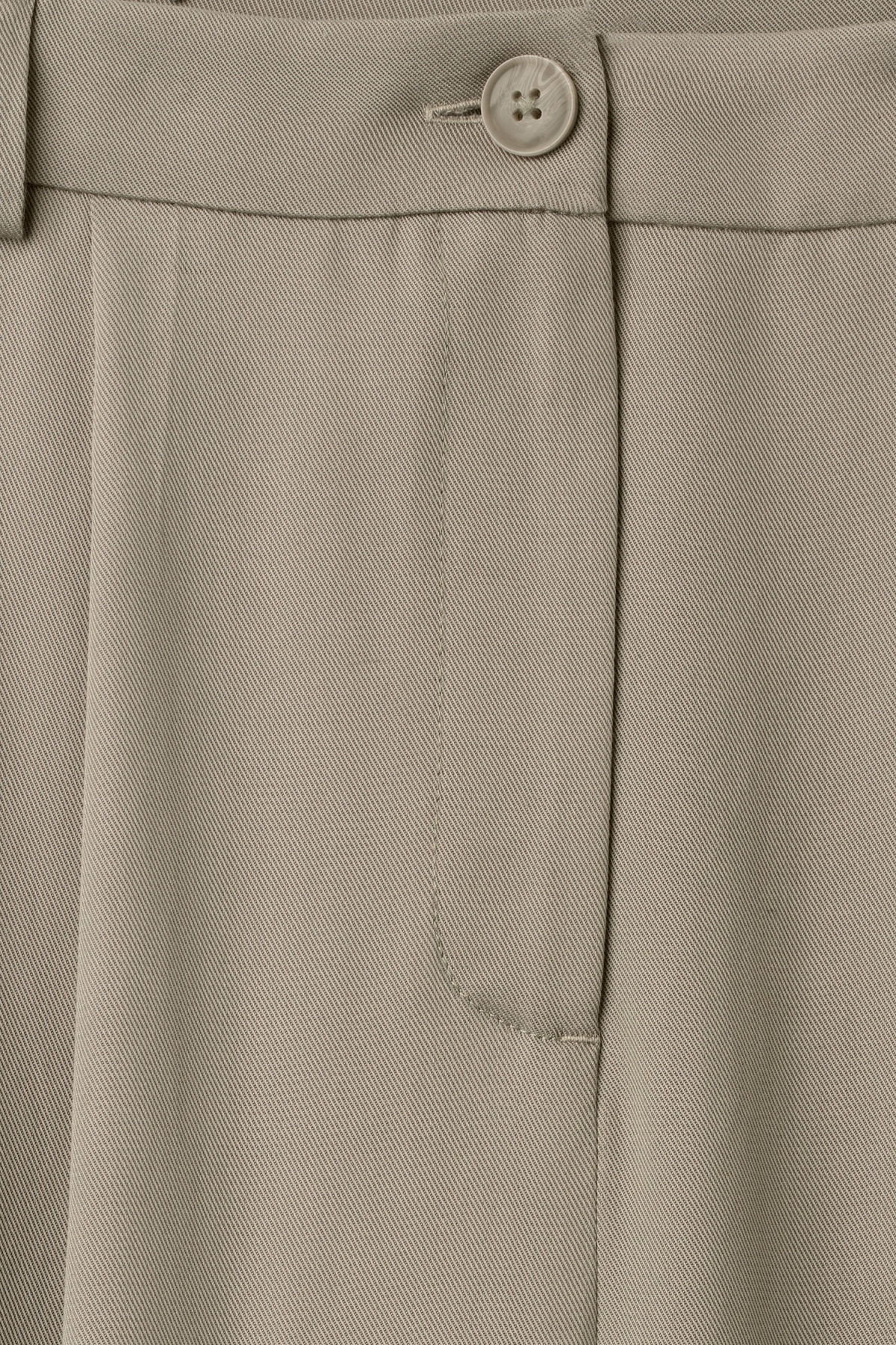Detailed image of Weekday ella trousers in grey