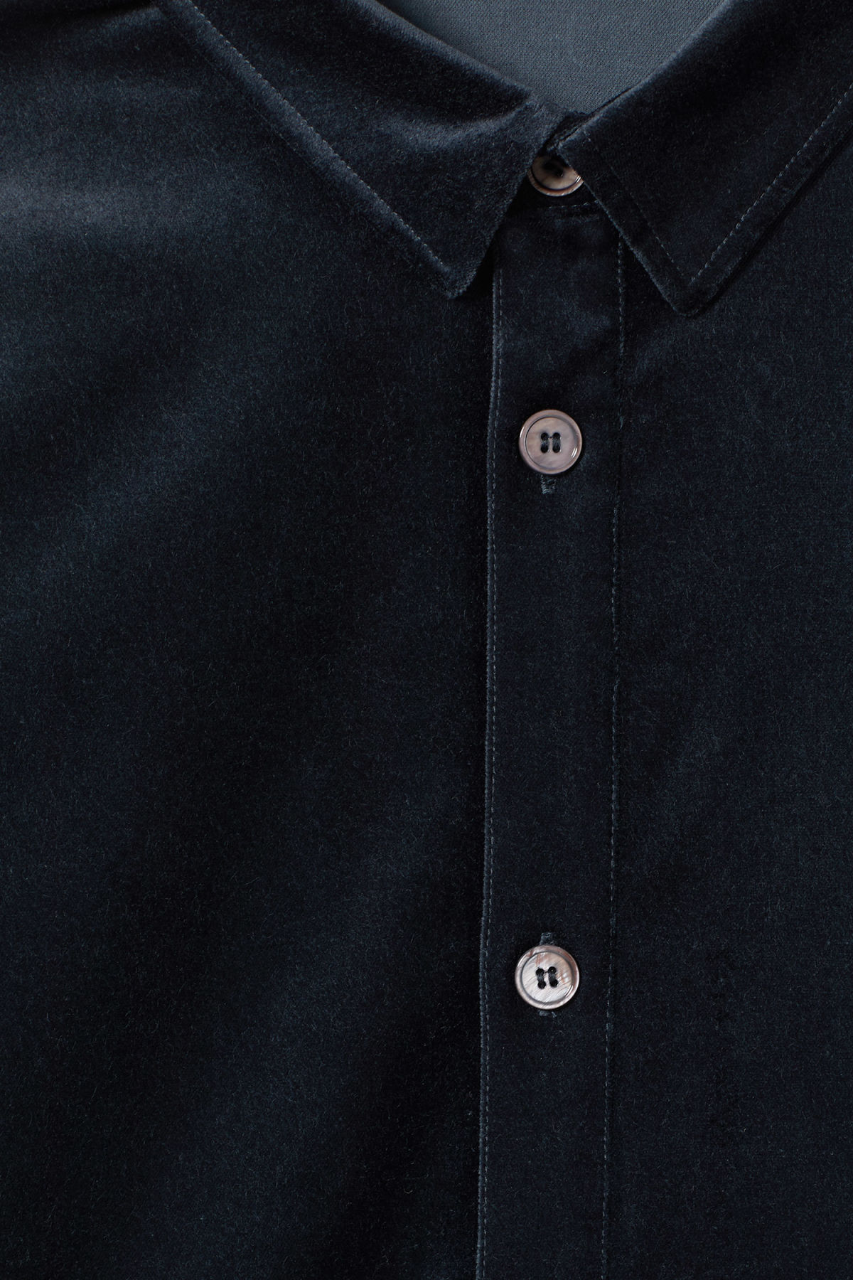 Detailed image of Weekday spit velvet shirt in blue