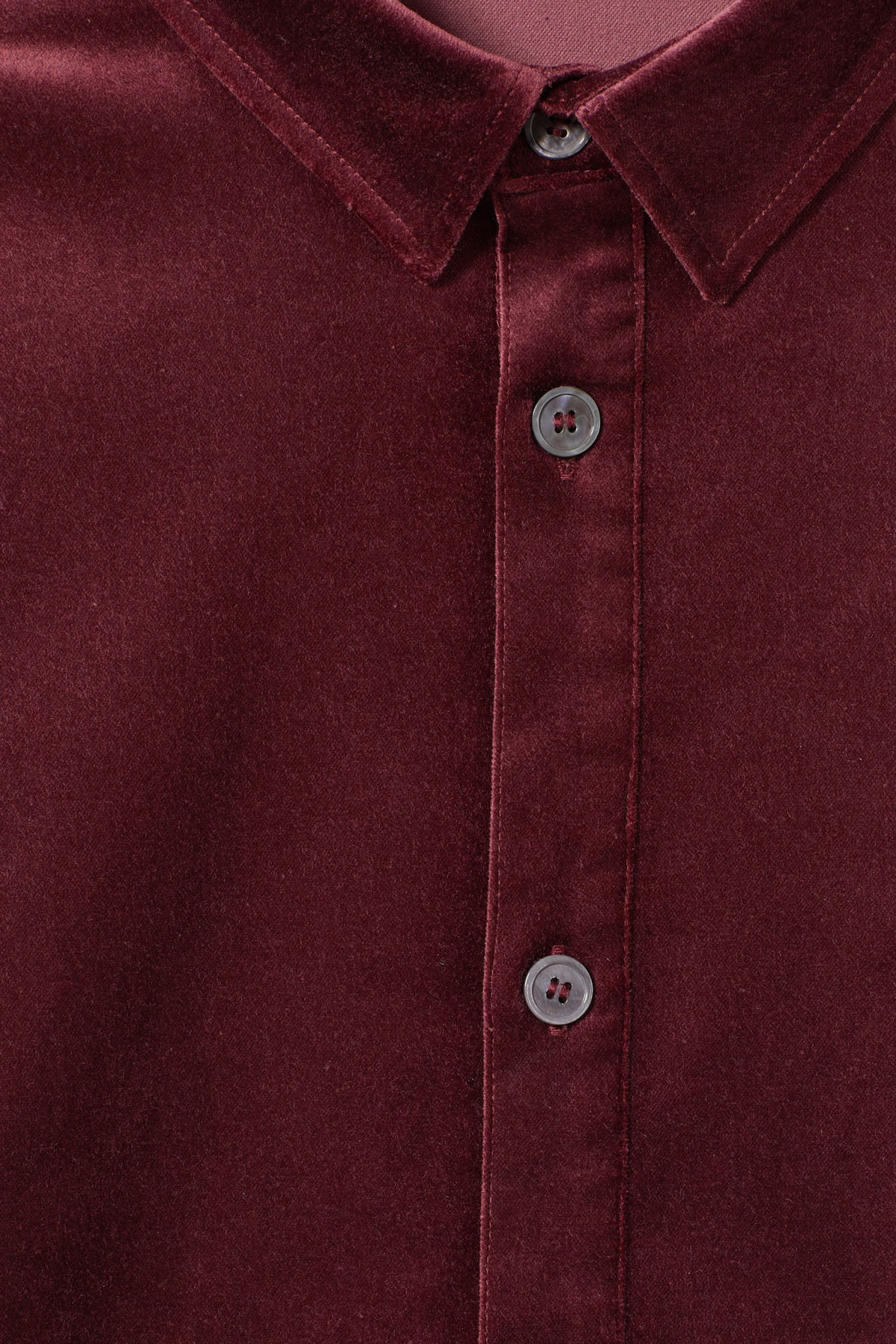 Detailed image of Weekday spit velvet shirt in red