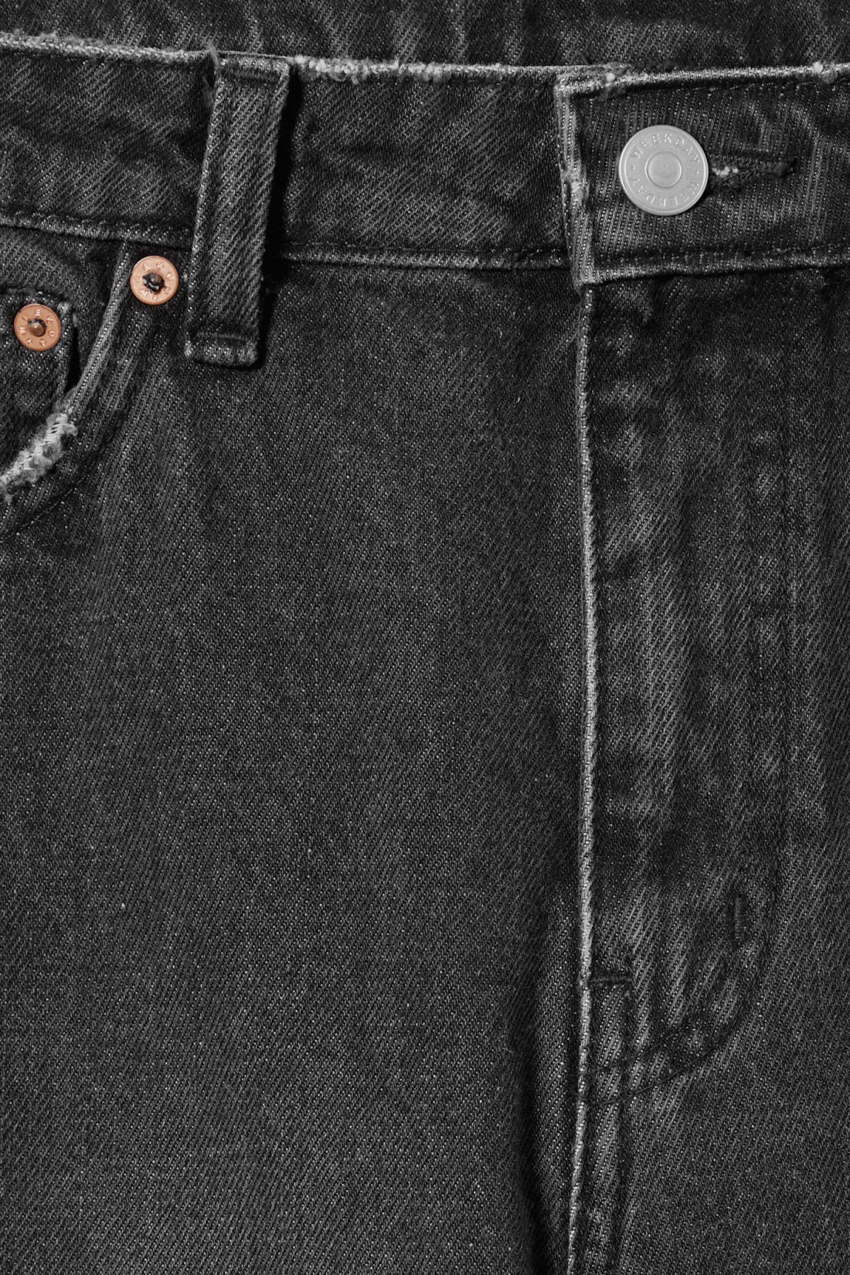 Detailed image of Weekday seattle trotter black jeans in black