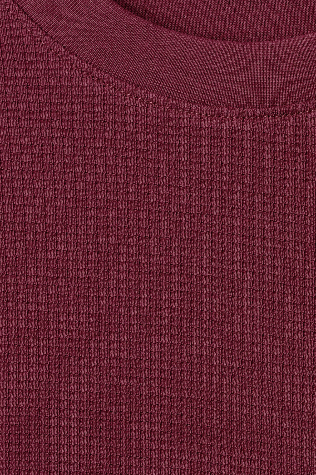 Detailed image of Weekday steve structured sweatshirt in red