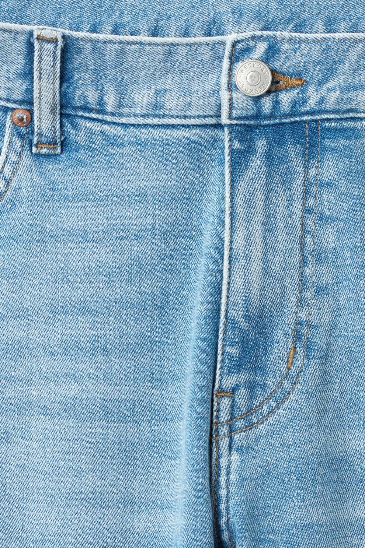 Detailed image of Weekday form ratio blue jeans in blue