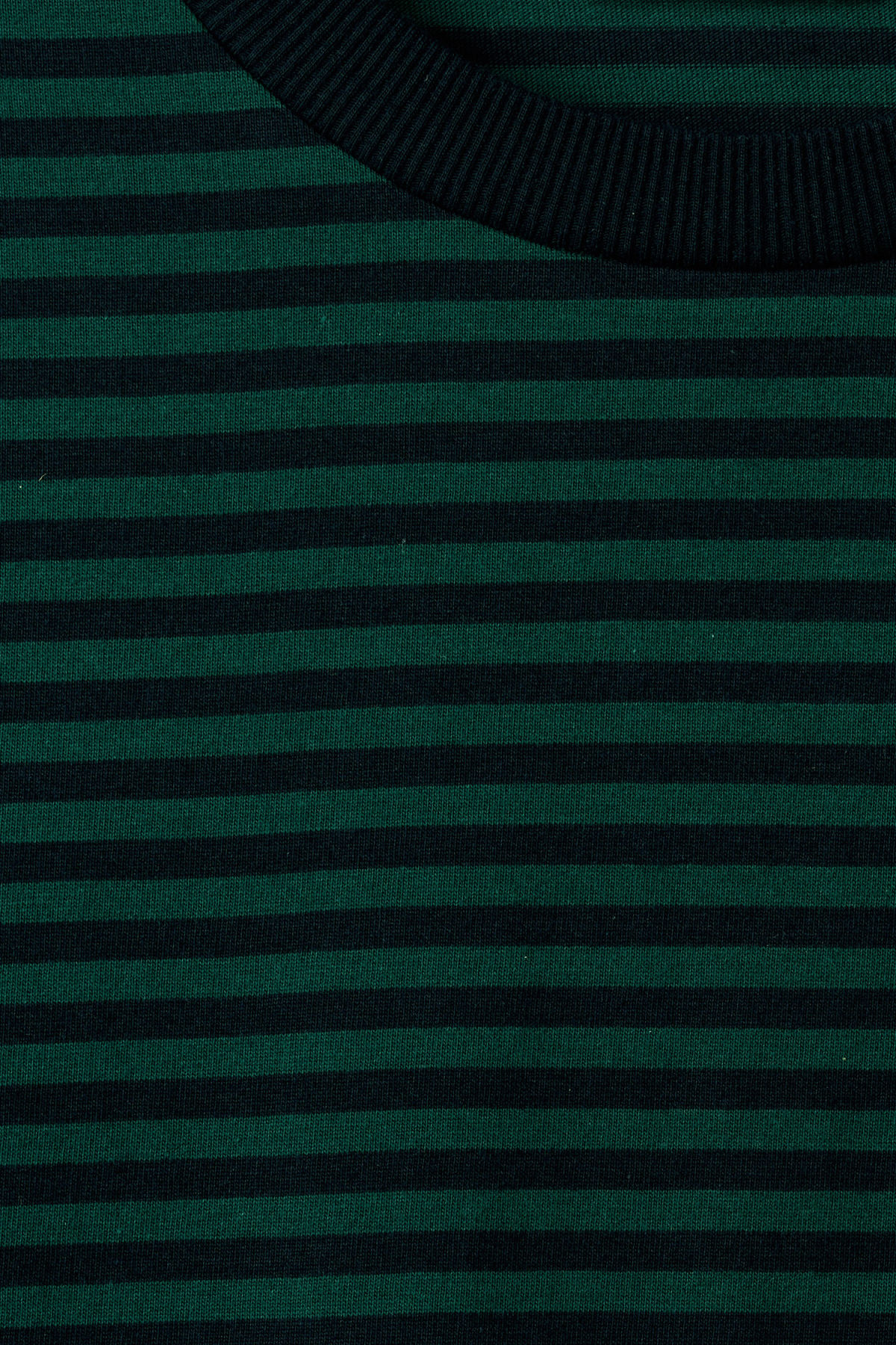 Detailed image of Weekday leonardo stripe long sleeve in green