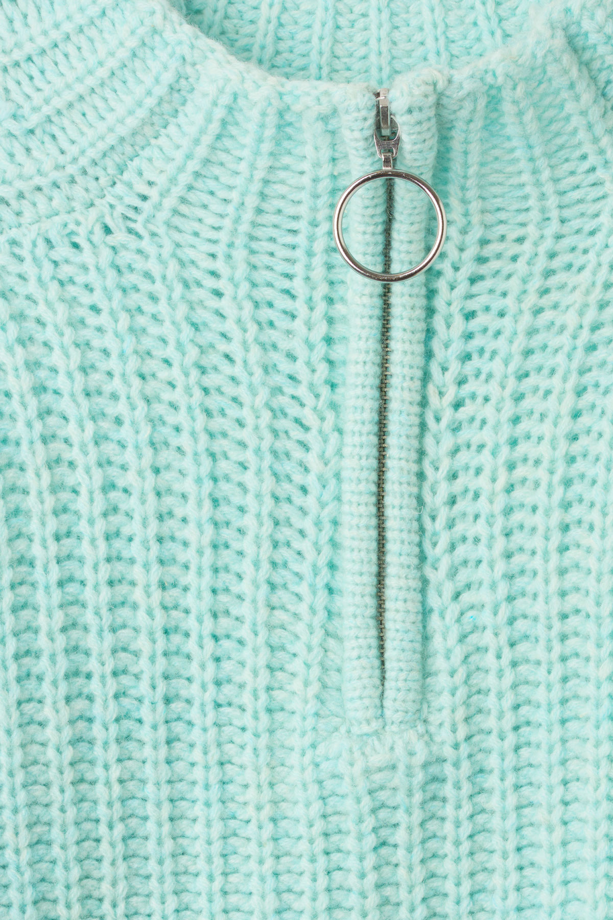 Detailed image of Weekday aurora sweater in turquoise