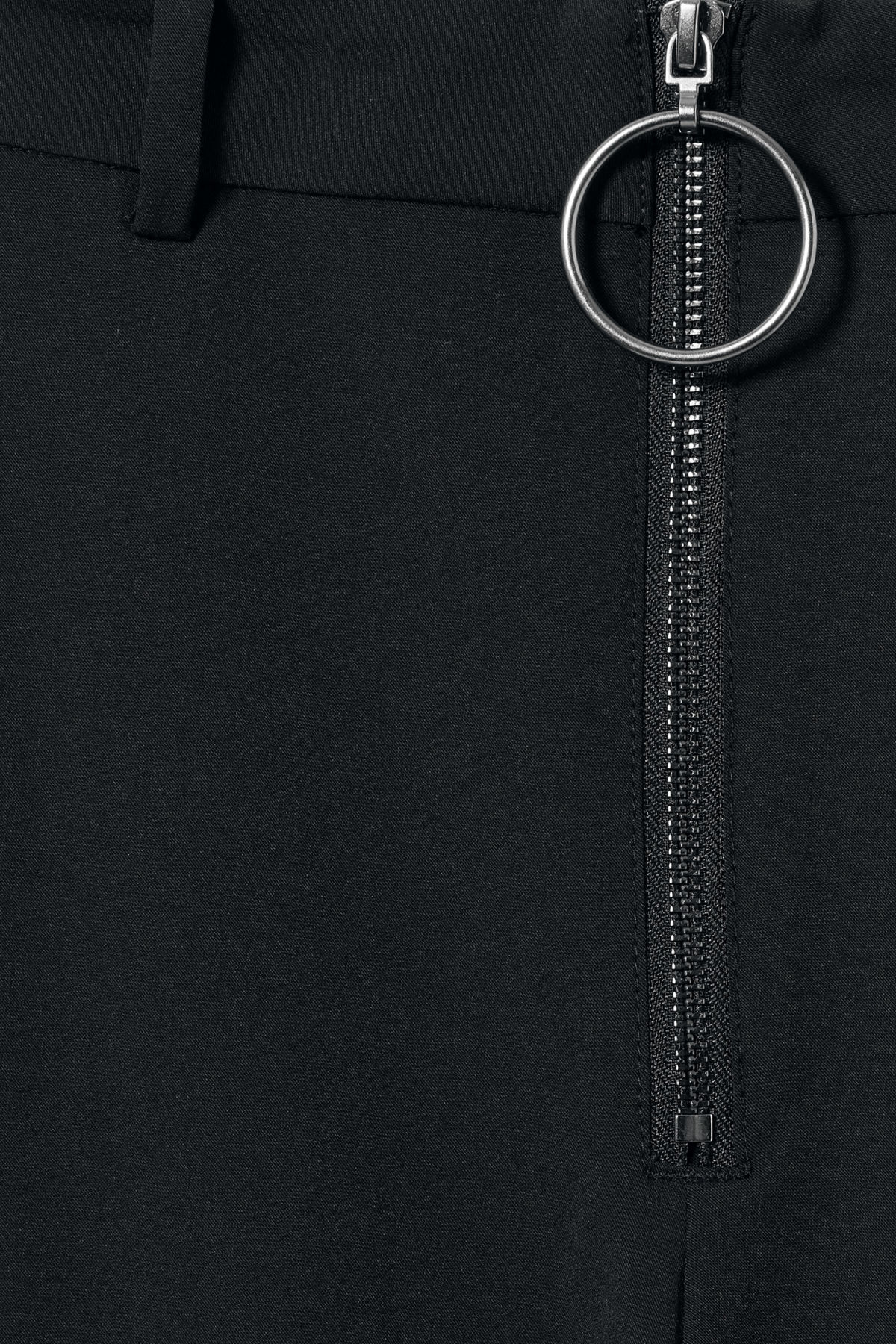 Detailed image of Weekday manet trousers in black