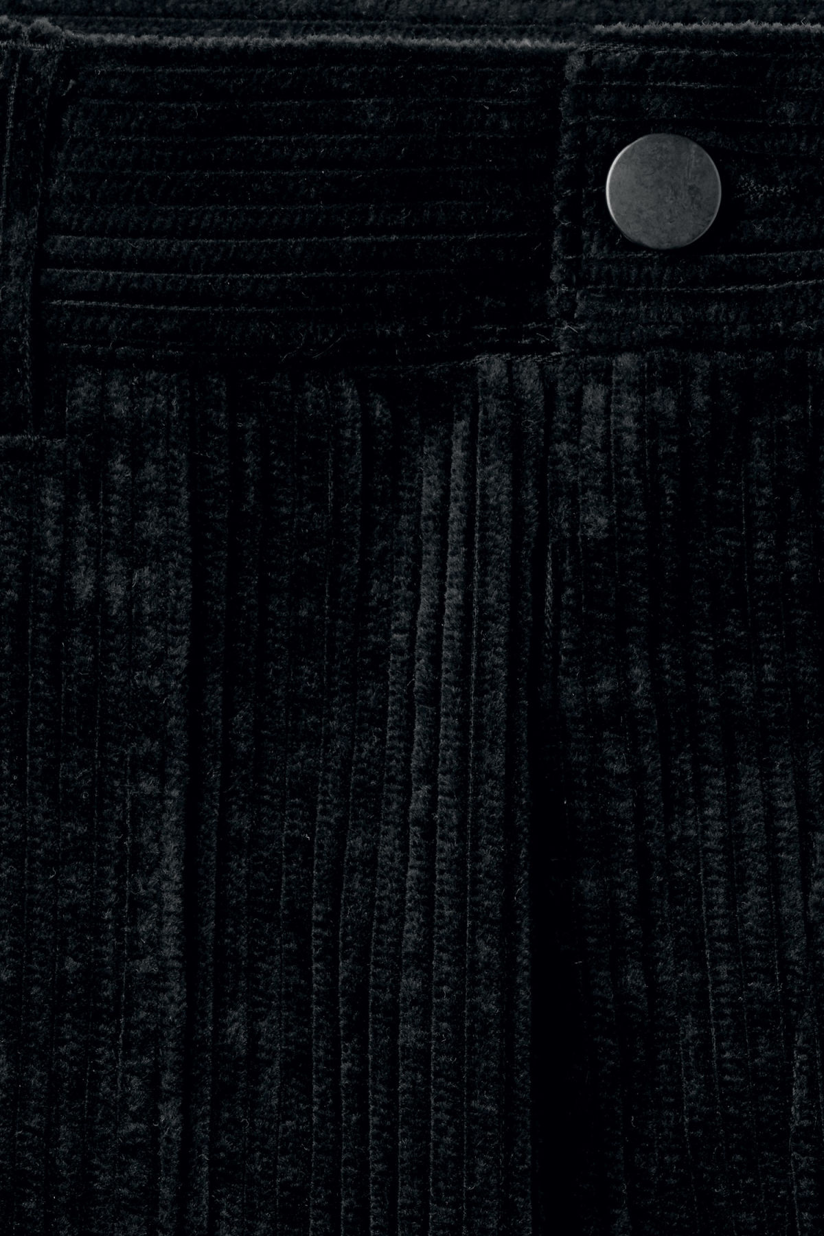 Detailed image of Weekday unity shorts  in black