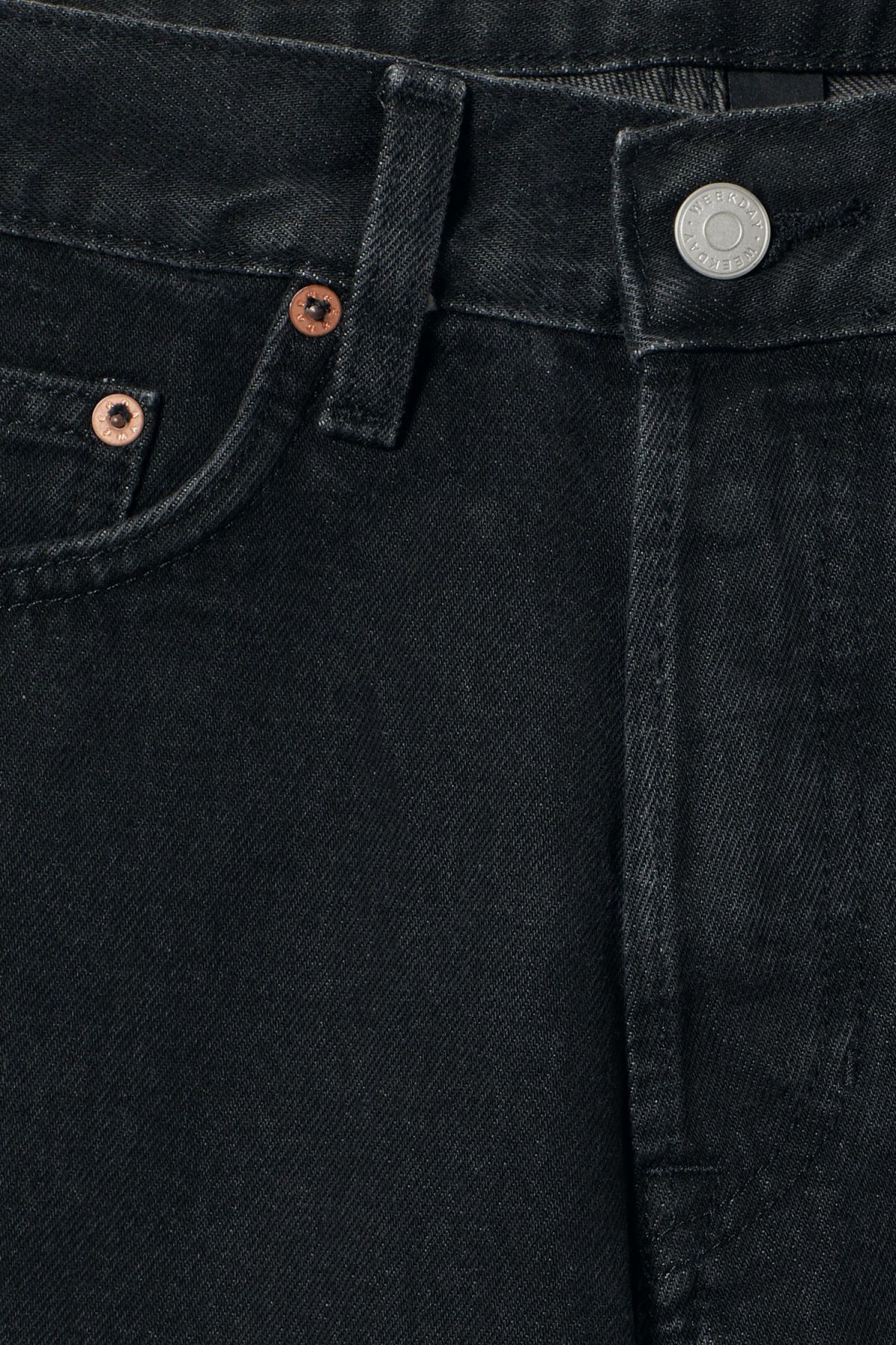 Detailed image of Weekday vacant trotter black shorts in black