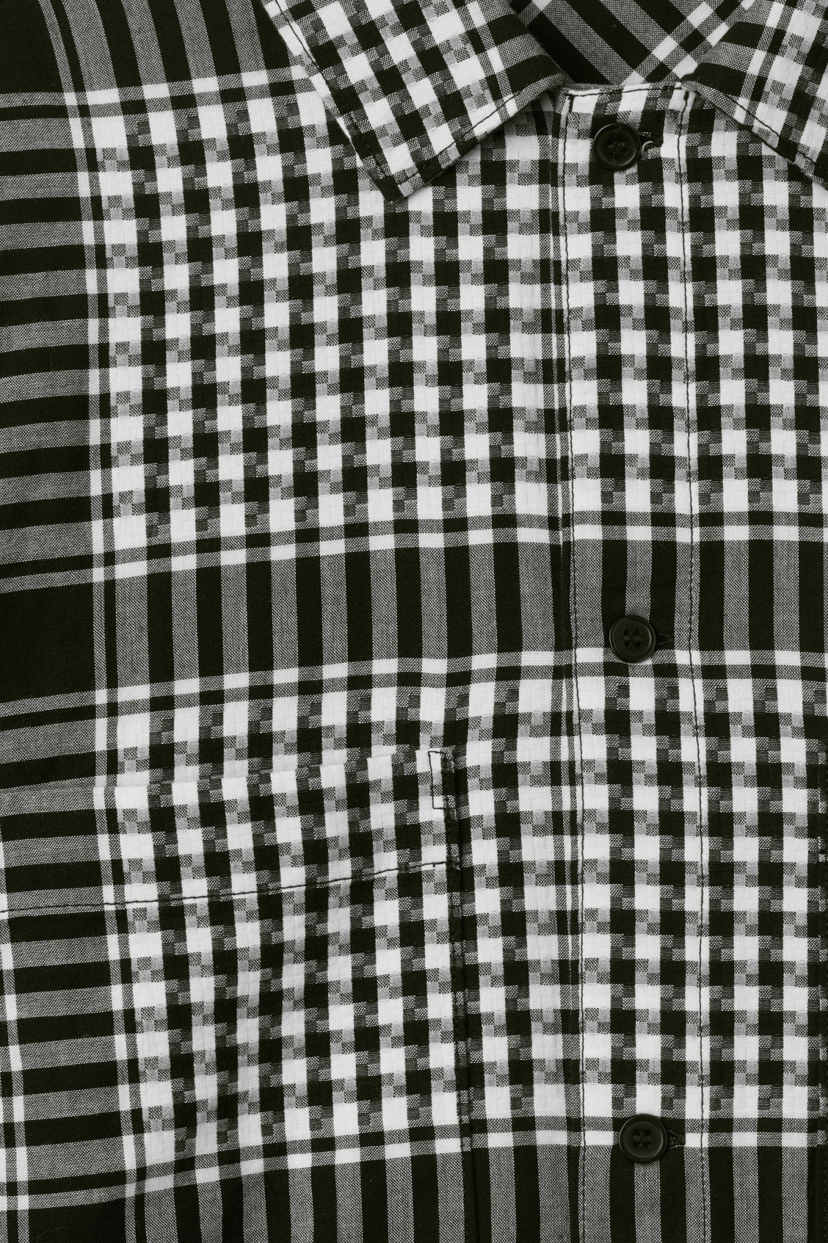 Detailed image of Weekday love check shirt in black